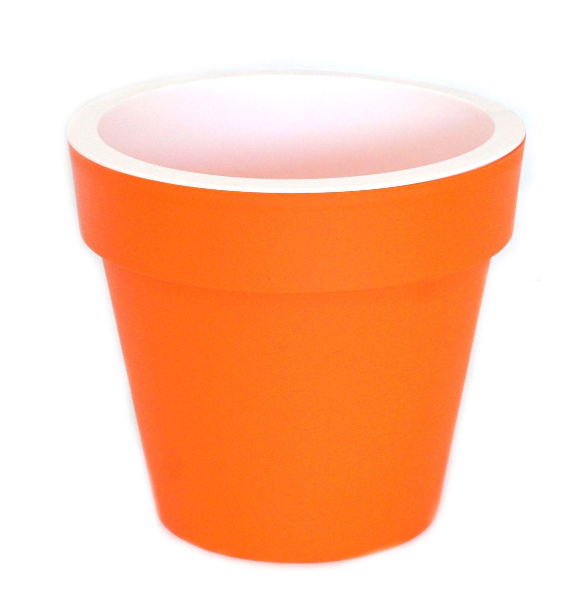 Кашпо JetPlast Порто, со вставкой, цвет: оранжевый, 9 л4612754053049Кашпо Порто классической формы с внутренней вставкой-горшком. Дренажная вставка позволяет легко поливать растения без использования дополнительного поддона. Вместительный объем кашпо позволяет высаживать самые разнообразные растения, а съемная вставка избавит вас от грязи и подчеркнет красоту цветка. Оно изготовлено из прочного полипропилена (пластика). Такое кашпо порадует вас функциональностью, а благодаря лаконичному дизайну впишется в любой интерьер помещения. Объем кашпо: 9 л.