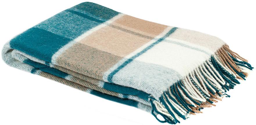 Плед Пиросмани, цвет: зеленый, бежевый, белый, 170 х 200 см. 1-207-170_131-207-170_13Мягкий и приятный плед Пиросмани изготовлен из 100% новозеландской овечьей шерсти. Плед добавит комнате уюта и согреет в прохладные дни. Такое теплое украшение может стать отличным подарком друзьям и близким! Под шерстяным пледом вам никогда не станет жарко или холодно, он помогает поддерживать постоянную температуру тела. Шерсть обладает прекрасной воздухопроницаемостью, она поглощает и нейтрализует вредные вещества и славится своими целебными свойствами. Плед из шерсти станет лучшим лекарством для людей, страдающих ревматизмом, радикулитом, головными и мышечными болями, сердечно-сосудистыми заболеваниями и нарушениями кровообращения. Шерсть не электризуется. Она прочна, износостойка, долговечна. Наконец, шерсть просто приятна на ощупь, ее мягкость и фактура вызывают потрясающие тактильные ощущения!Пиросмани - коллекция пледов с кистями, уменьшенной плотности из 100% натуральной новозеландской овечьей шерсти. Характеристики:Материал: 100% новозеландская овечья шерсть. Цвет: цвет: зеленый, бежевый, белый. Размер пледа: 170 см х 200 см. Размер упаковки: 50 см х 8 см х 40 см. Артикул: 1-207-170_13.