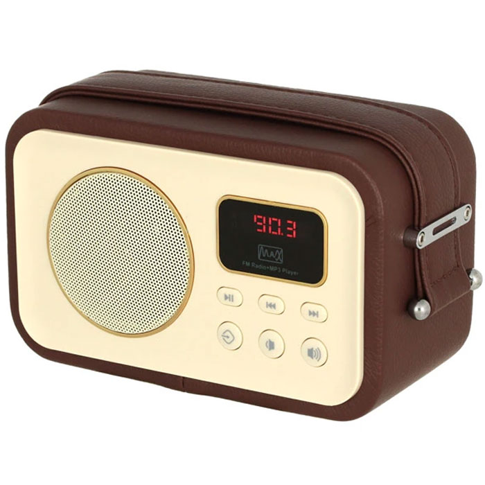 MAX MR-320, Brown портативный радиоприемник с MP34630011250635Радиоприёмник MAX MR-320 укомплектован цифровым усилителем Hi-Fi-класса, 52-миллиметровым динамиком на 3 Вт и 2-дюймовым сабвуфером. Эта модель воспроизводит станции FM-диапазона и аудиофайлы с карт памяти и флешек.Корпус приёмника обтянут искусственной кожей. К боковым граням приторочен широкий ремень для переноски.Модель работает со станциями FM-диапазона. В качестве дополнительного источника контента могут выступать карты памяти и USB-носители, подключаемые к соответствующим портам на тыльной стороне.За воспроизведение низких частот отвечает сабвуфер, а за общее качество звука - 5-ваттный усилитель Hi-Fi-класса. Акустическая система этой модели воспроизводит чистый и глубокий звук даже в режиме максимальной громкости.