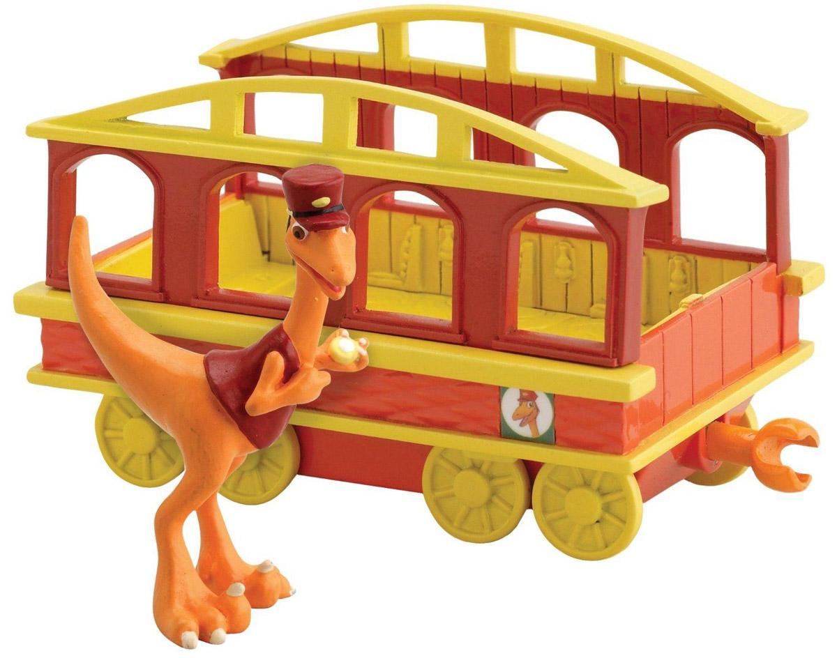 Игровой набор Tomy Поезд Динозавров: Кондуктор с вагончиком tomy игровой набор приключения трактора джонни и поросенка на ферме с 18 мес