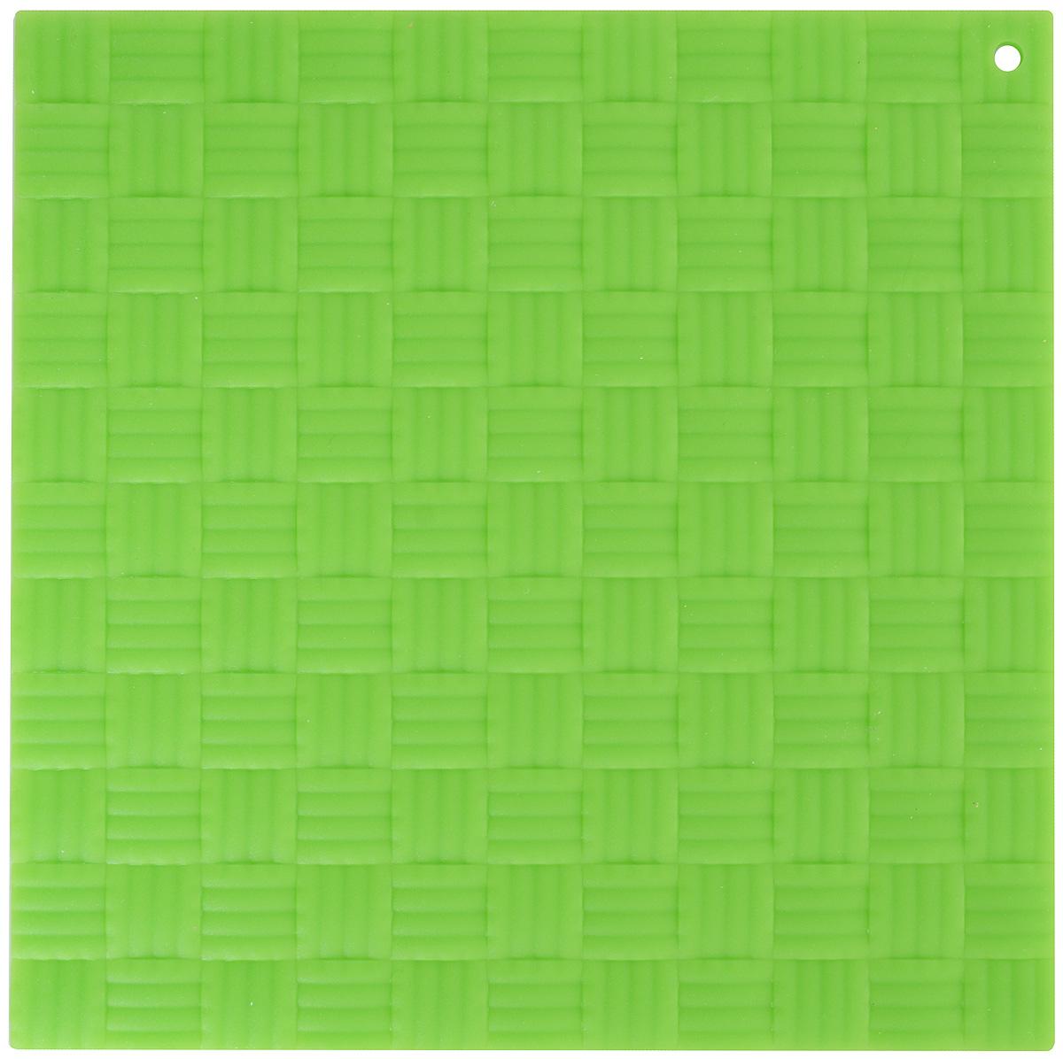 Подставка под горячее Paterra, силиконовая, цвет: зеленый, 17,5 х 17,5 см402-499_зеленыйПодставка под горячее Paterra изготовлена из силикона и оснащена специальным отверстием для подвешивания. Материал позволяет выдерживать высокие температуры и не скользит по поверхности стола.Каждая хозяйка знает, что подставка под горячее - это незаменимый и очень полезный аксессуар на каждойкухне. Ваш стол будет не только украшен яркой и оригинальной подставкой, но и сбережен от воздействия высоких температур.