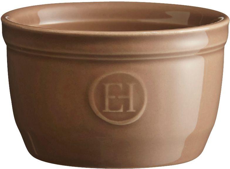 Рамекин Emile Henry, цвет: мускат, диаметр 9 см961009Порционная форма рамекин Emile Henry предназначена как для готовки, так и для сервировки отдельных порций. Идеально подходит для кухни в загородном доме. Высокопрочная керамика (HR ceramic) великолепно распределяет и сохраняет тепло, что и требуется для приготовления помадок, гратенов, рассыпчатых и открытых пирогов. Форма не боится перепадов температур, и ее можно ставить в духовку сразу после того, как она была вынута из морозильной камеры. Покрытие формы устойчиво к появлению сколов и царапин, а его цвет остается ярким даже после многократного использования в посудомоечной машине.Форма диаметром 9 см идеально подходит для небольших десертов. Например, для густых десертов, которые требуют специфичного размера порции, как фондан из темного шоколада, пудинги или крем-карамель.