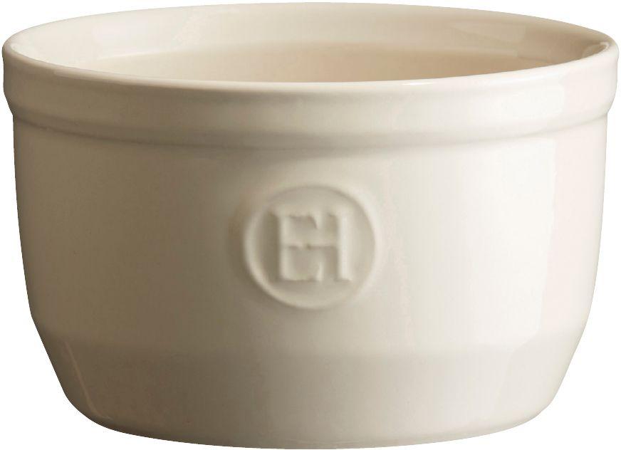 Рамекин Emile Henry, цвет: кремовый, диаметр 10,5 см21010Порционная форма рамекин Emile Henry предназначена как для готовки, так и для сервировки отдельных порций. Идеально подходит для кухни в загородном доме. Высокопрочная керамика (HR ceramic) великолепно распределяет и сохраняет тепло, что и требуется для приготовления помадок, гратенов, рассыпчатых и открытых пирогов. Форма не боится перепадов температур, и ее можно ставить в духовку сразу после того, как она была вынута из морозильной камеры. Покрытие формы устойчиво к появлению сколов и царапин, а его цвет остается ярким даже после многократного использования в посудомоечной машине. Рамекин №10 имеет больший объем, чем другие. Поэтому он также может быть использован для несладких рецептов, таких как овощные пироги или порционный гратен. Он также может быть использован для приготовления более легких десертов, таких как шоколадный мусс или тирамису.