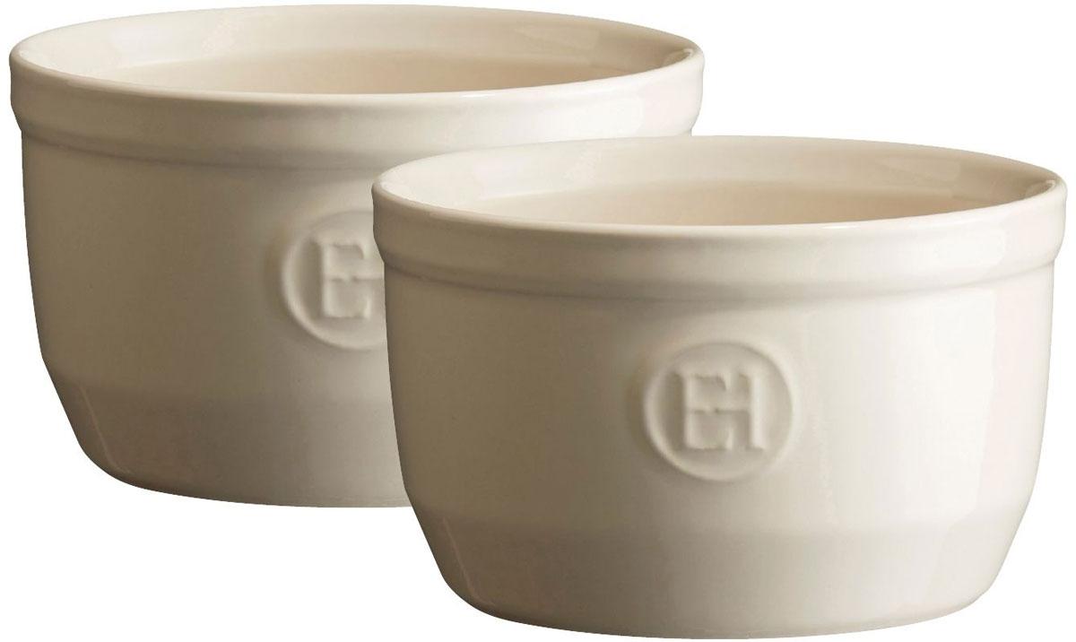 Рамекин Emile Henry, цвет: кремовый, диаметр 10,5 см, 2 шт24010Порционная форма рамекин Emile Henry предназначена как для готовки, так и для сервировки отдельных порций. Идеально подходит для кухни в загородном доме. Высокопрочная керамика (HR ceramic) великолепно распределяет и сохраняет тепло, что и требуется для приготовления помадок, гратенов, рассыпчатых и открытых пирогов. Форма не боится перепадов температур, и ее можно ставить в духовку сразу после того, как она была вынута из морозильной камеры. Покрытие формы устойчиво к появлению сколов и царапин, а его цвет остается ярким даже после многократного использования в посудомоечной машине.Рамекин №10 имеет больший объем, чем другие. Поэтому он также может быть использован для несладких рецептов, таких как овощные пироги или порционный гратен. Он также может быть использован для приготовления более легких десертов, таких как шоколадный мусс или тирамису.