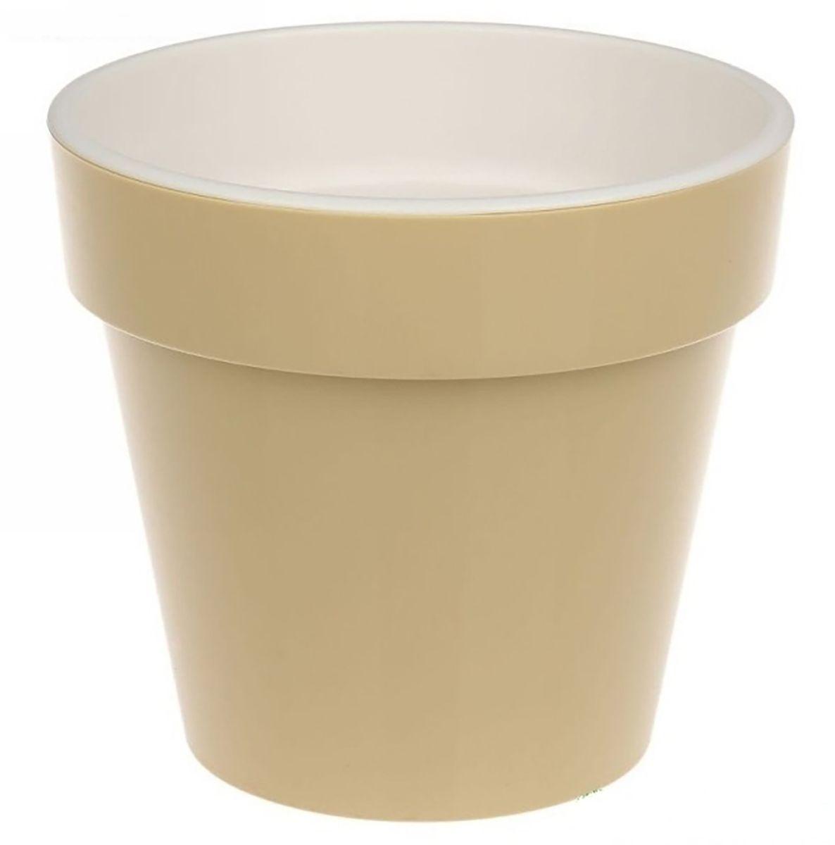 Кашпо JetPlast Порто, со вставкой, цвет: кремовый, 3,5 л4612754052738Кашпо Порто классической формы с внутренней вставкой-горшком. Дренажная вставка позволяет легко поливать растения без использования дополнительного поддона. Вместительный объем кашпо позволяет высаживать самые разнообразные растения, а съемная вставка избавит вас от грязи и подчеркнет красоту цветка. Оно изготовлено из прочного полипропилена (пластика). Такое кашпо порадует вас функциональностью, а благодаря лаконичному дизайну впишется в любой интерьер помещения. Объем кашпо: 3,5 л.