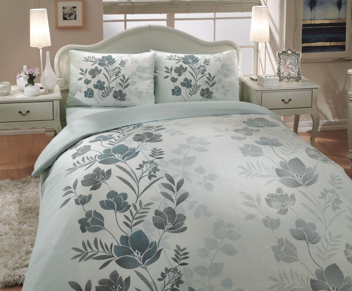 Комплект белья Hobby Home Collection Flore, 1,5-спальный, наволочки 50x70, 70x70, цвет: зеленый1501000232Комплект белья Hobby Home Collection состоит из простыни, пододеяльника и 2 наволочек. Белье выполнено из ранфорса - это ткань из 100% натурального хлопка, которая легко стирается, практичнее льна, подстраивается под температуру воздуха - зимой на таком белье тепло, летом - прохладно. Мягкость и нежность материала создает чувство комфорта и защищенности. У хлопка хорошая проводимость тепла, поэтому постельное белье из него может надолго оставаться свежим. Постельное белье с оригинальными дизайнами станет отличным выбором для людей, стремящихся всегда быть стильными.