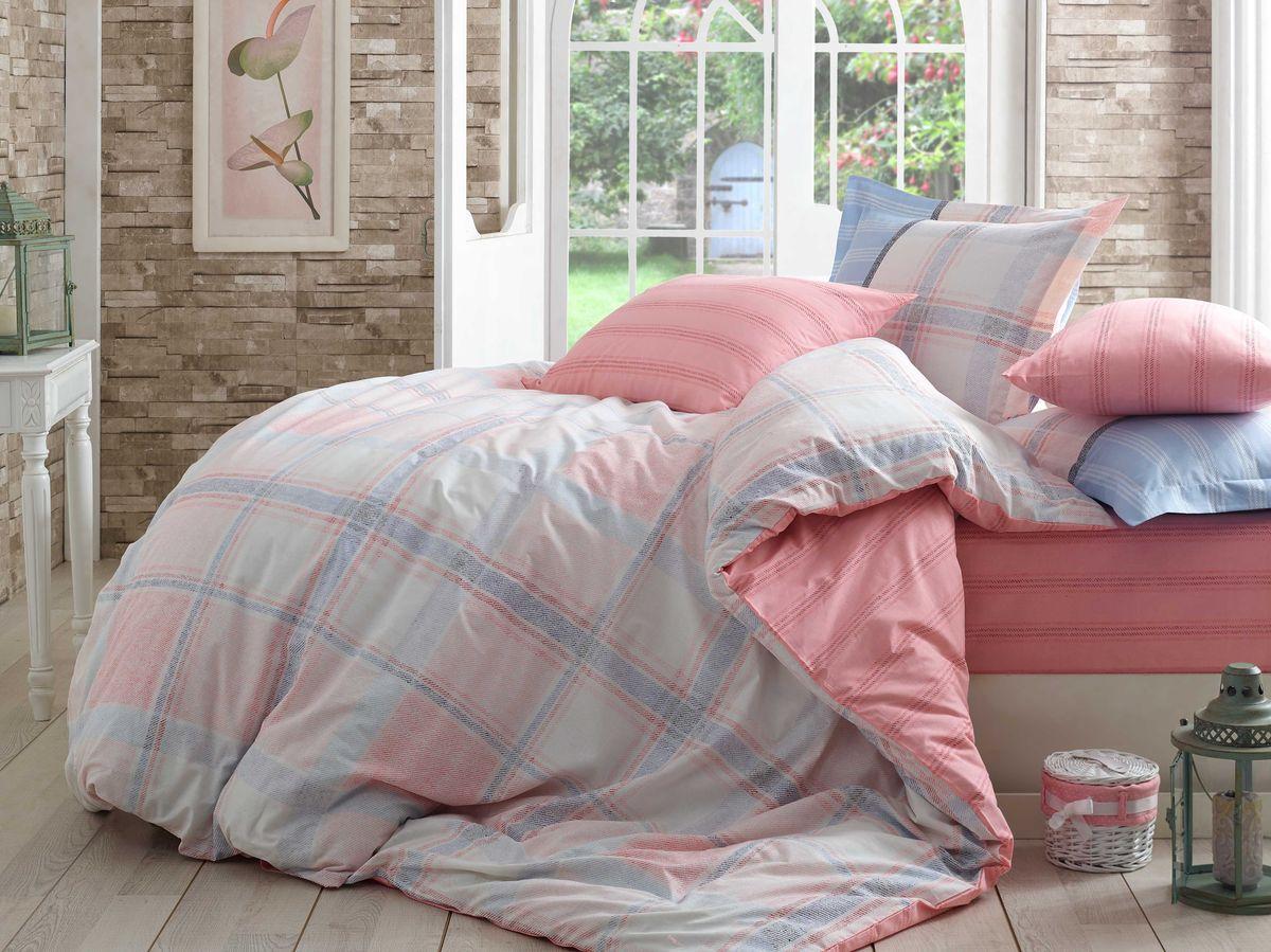 Комплект белья Hobby Home Collection Carmela, 2-спальный, наволочки 70x70, цвет: розовый1607000016Комплект белья Hobby Home Collection состоит из простыни, пододеяльника и 4 наволочек. Белье выполнено из поплина - это ткань из 100% натурального хлопка. По легенде этот материал впервые произвели во французской резиденции Папы Римского, городе Авиньон. За это ткань назвали поплином, что означает папский. По своим характеристикам она напоминает бязь, однако, на ощупь гораздо более мягкая и гладкая. Прекрасные потребительские качества обеспечили поплину популярность у розничного покупателя: ткань не выцветает и не мнется, ее можно не гладить вообще; не линяет и не деформируется при стирке до сорока градусов; на сто процентов состоит из натуральных хлопковых волокон.