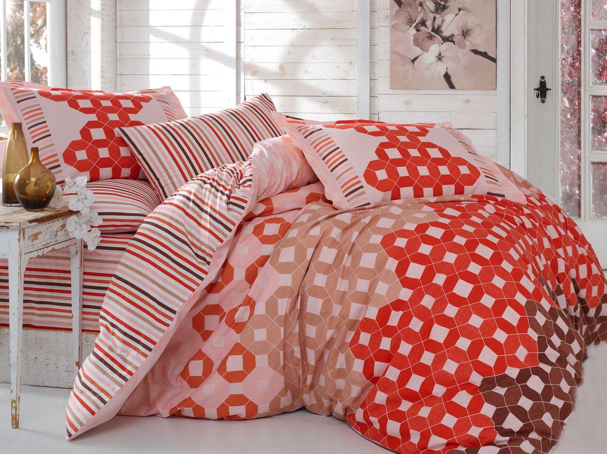 Комплект белья Hobby Home Collection Marsella, 2-спальный, наволочки 50х70, 70х70, цвет: красный1607000063Комплект постельного белья Hobby Home Collection изготовлен из высококачественного поплина. Поплин - это ткань, изготавливаемая традиционным полотняным плетением из 100% хлопка, но из нитей разного калибра, за счет чего полотно получается с легким рубчиковым рельефом. По многим характеристикам ткань похожа на бязь, но на ощупь гораздо приятнее — более гладкая и мягкая. Поплин обладает лучшими свойствами ткани для постельного белья. Он плотный и в то же время мягкий на ощупь, износостойкий, немнущийся, гигроскопичный и неприхотливый в уходе, а после стирки практически не нуждается в глажке. Поплин обладает множеством преимуществ: - белье из него плотное, прочное и износостойкое; - не выцветает и не сминается; - не линяет и не деформируется (при стирке до 40°С); - натуральный хлопок в составе обеспечивает абсолютную гигиеничность постельного белья; - поплин хорошо вентилируется и впитывает влагу, отводя ее излишки от тела. По легенде этот материал впервые произвели во французской резиденции Папы Римского, городе Авиньон. За это ткань назвали поплином, что означает папский. С тех пор, вслед за Европой, полотно покорило весь мир, и на сегодня это самый востребованный материал для постельного белья. Постельное белье имеет 3D рисунок. Это объемный рисунок, который позволяет увидеть изображение более реальным, живым. 3D печать на постельном белье невозможна простым способом. Для достижения высокого качества применяется Digital textile printing (англ. Digital textile printing - прямая цифровая печать по текстилю) — способ нанесения изображения на ткань, предполагающий прямую реактивную печать. Сам вид такой печати обеспечивает долговечность нанесенного изображения. На ткань, наносится ультрачеткое и яркое 3D изображение, вследствие чего картинка выглядит очень реалистично. Просматриваются даже самые мелкие детали. Постельное белье из поплина способно не только создать и