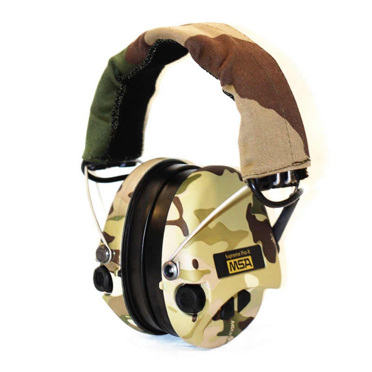 """Активные наушники шведской фирмы MSA Sоrdin """"Supreme Pro X LED"""" - это мировая новинка в области электронной защиты слуха и прекрасное решение для охоты и спортивной стрельбы. Данная модель наушников укомплектована гелиевыми амбушюрами и имеет встроенный фонарик. Фонарик активируется одновременным нажатием кнопок """"+"""" и """"-"""".Противоскользящее покрытие чашек. Идеальный выбор для охотников.  Ветрозащитные стереомикрофоны обеспечивают прослушивание звуковой """"картины"""" на 360 градусов, что позволяет ориентироваться на звук. Самые слабые шумы окружающей среды могут усиливаться активной электроникой в 4 раза.При стрельбе глушение шума составляет около одной секунды (0,8 сек.) и защищает слух от звука и эха выстрела, при этом удар пули отчетливо слышен. Регуляторы громкости большие и расположены очень удобно и доступно, хорошо ощущаются даже в перчатках, что обеспечивает дополнительное удобство в холодную погоду.Наушники снабжены двумя батарейками ААА в защищенном от влаги боксе. Одного комплекта батарей хватает на 600 часов работы. Имеется входной разъем и переходной шнур для подключения радиостанции, дополнительного оборудования и одновременного прослушивания радиоэфира и окружающего звука. Усиление шума до 82 dB, и погашение звука выстрела до 27 dB. Модель складная. Соединительная дуга выполнена из высокопрочной пружинной стали, прекрасно выдерживает нагрузки кручения, излома и имеет удобную регулировку. Автоматическое выключение через 4 часа после включения или последней настройки"""