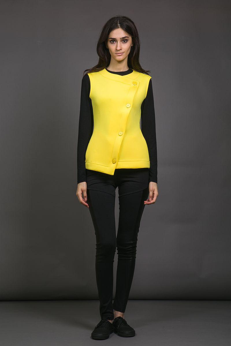 Жилет женский La Via Estelar, цвет: желтый. 50990-1. Размер 4250990-1Мягкий и плотный жилет La Via Estelar из не мнущейся ткани монохромного цвета имеет два скрытых под молнией кармана по бокам от талии, что делает его не только удобным, но и практичным. Применение ультрамодного покроя и использование новейших материалов позволяет ему стать достойной новинкой гардероба, как дополнение к любому современному образу.