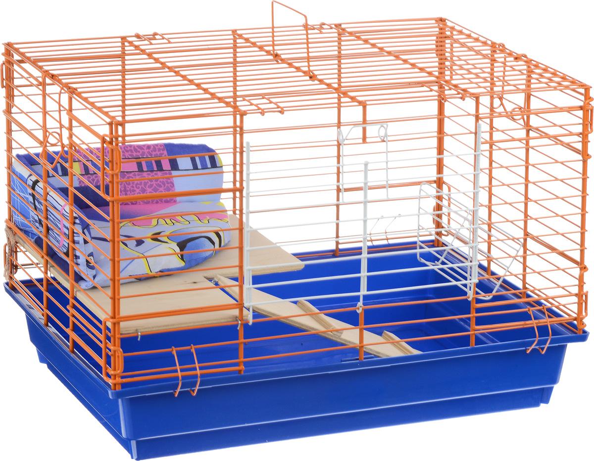 Клетка для кролика ЗооМарк, 2-этажная, цвет: синий поддон, оранжевый решетка, 59 х 40 х 41 см650СОКлетка ЗооМарк, выполненная из полипропилена и металла, подходит для кроликов. Изделие двухэтажное, оборудовано кормушкой и небольшим угловым диванчиком. Клетка имеет яркий поддон, удобна в использовании и легко чистится. Сверху имеется ручка для переноски. Такая клетка станет уединенным личным пространством и уютным домиком для маленького грызуна.