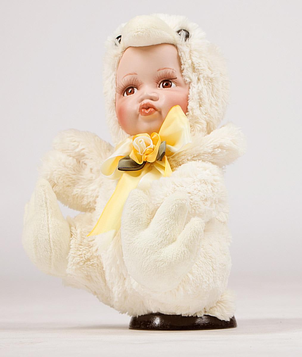 Кукла Estro, высота 30 см. C21-128215C21-128215Кукла создана вручную, неповторима и оригинальна. Порадуйте своих друзей и близких этим замечательным подарком!