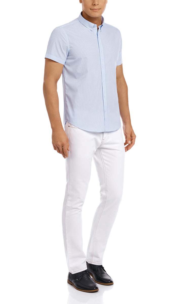 Рубашка мужская oodji, цвет: белый, голубой. 3L210030M/44192N/1070C. Размер 44-182 (56-182)3L210030M/44192N/1070CМужская рубашка oodji из натурального хлопка скроена по классическому силуэту и плотно садится по фигуре. Имеет короткие рукава, застегивается на пуговицы спереди. Две запасные пуговицы подшиты с обратной стороны полы.