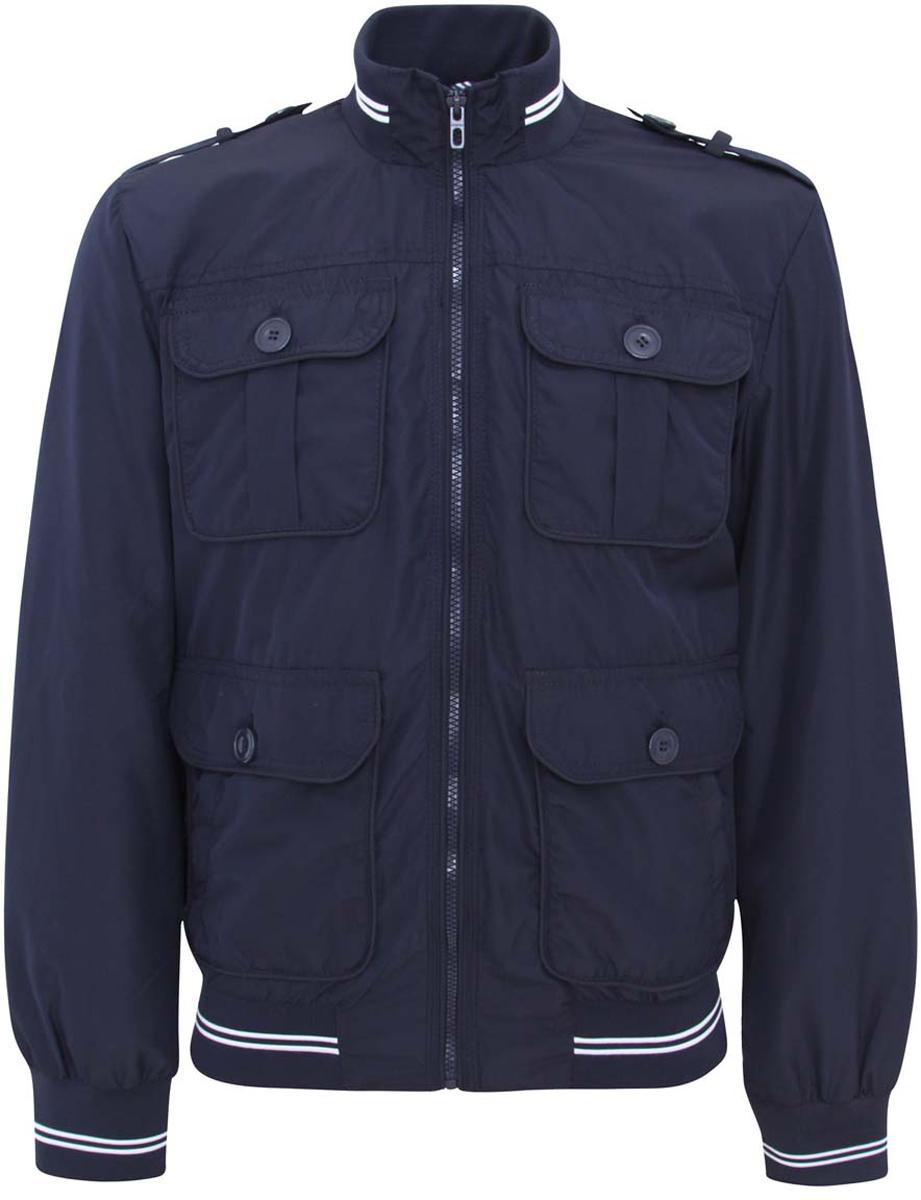 Куртка мужская oodji Lab, цвет: темно-синий. 1L511033M/23466N/7900N. Размер M (50-182)1L511033M/23466N/7900NМужская куртка oodji изготовлена из полиэстера. В качестве подкладки используется хлопок и полиэстер (рукава). Модель застёгивается на застежку-молнию. Воротник, низ куртки и рукавов дополнены резинками. Спереди расположены четыре кармана под клапанами на пуговицах и два врезных кармана на молниях. С внутренней стороны - прорезной карман на застежке-молнии. Плечи дополнены декоративными хлястиками на пуговицах.