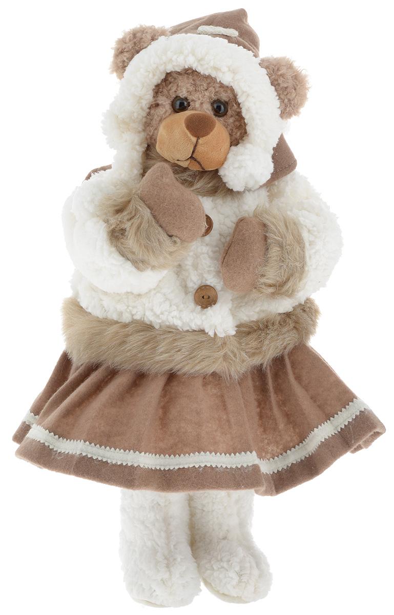 Фигурка новогодняя ESTRO Медведь, цвет: белый, коричневый, высота 50 смC21-221041Декоративная фигурка Медведь изготовлена из высококачественных материалов в оригинальном стиле. Фигурка выполнена в виде медведя в зимнем наряде.Уютнаяи милая интерьерная игрушка предназначена для взрослых и детей, для игр и украшения новогодней елки, да и просто, для создания праздничной атмосферыв интерьере! Фигурка прекрасно украсит ваш дом к празднику, а в остальные дни с ней с удовольствием будут играть дети. Оригинальный дизайн и красочное исполнение создадут праздничное настроение. Фигурка создана вручную, неповторима и оригинальна. Порадуйте своих друзей и близких этим замечательным подарком!