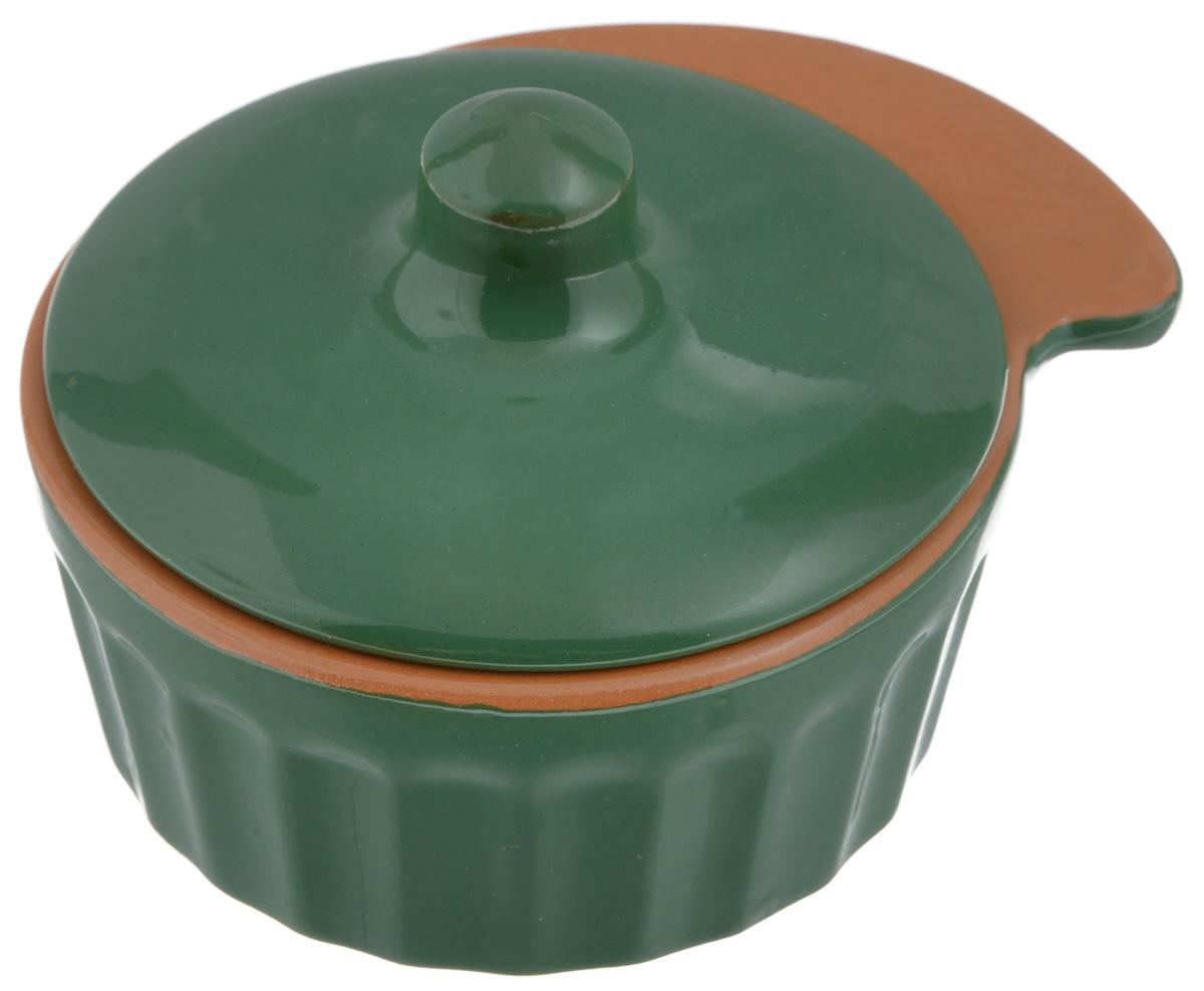 Кокотница Борисовская керамика Ностальгия, цвет: зеленый, 200 млРАД14457898_зеленыйГраненая форма кокотницы Борисовская керамика Ностальгия никого не оставляет равнодушным. Она выполнена из высококачественной керамики и оснащена крышкой. В кокотнице можно запекать кексы, делать жульены. Она отлично подойдет для сервировки стола и подачи блюд. Кокотницу можно использовать как порционно, так и для подачи приправ, острых соусов и многого другого. Подходит для использования в микроволновой печи и духовке. Размер (по верхнему краю): 12 х 10 см. Высота (без учета крышки): 4,5 см.
