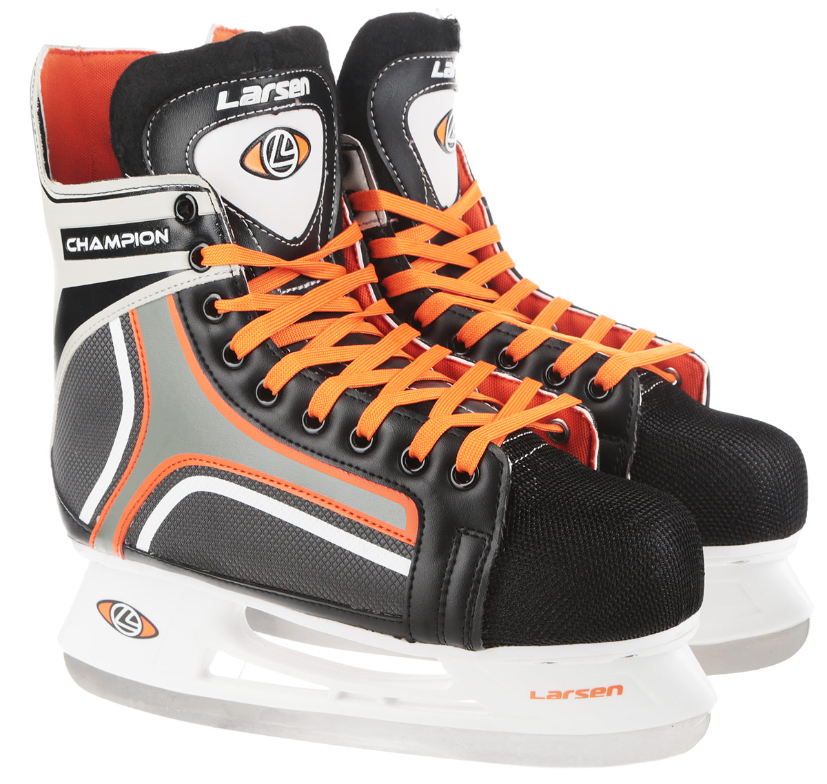 Коньки хоккейные мужские Larsen Champion, цвет: черный, белый, оранжевый. Размер 43ChampionСтильные коньки Champion от Larsen прекрасно подойдут для начинающих игроков в хоккей.Ботинок выполнен из морозоустойчивого поливинилхлорида. Мыс дополненвставкой из полипропилена, покрытого сетчатым нейлоном, которая защитит ноги от ударов.Внутренний слой изготовлен измягкого текстиля, который обеспечит тепло и комфорт во время катания, язычок - из войлока.Плотная шнуровка надежно фиксирует модель на ноге. Голеностоп имеет удобный суппорт. Стелька из EVA с текстильной поверхностью обеспечит комфортное катание. Стойкавыполнена из ударопрочного полипропилена. Лезвие из нержавеющей стали обеспечитпревосходное скольжение. В комплект входят пластиковые чехлы для лезвий. Температура использования до -20°С.