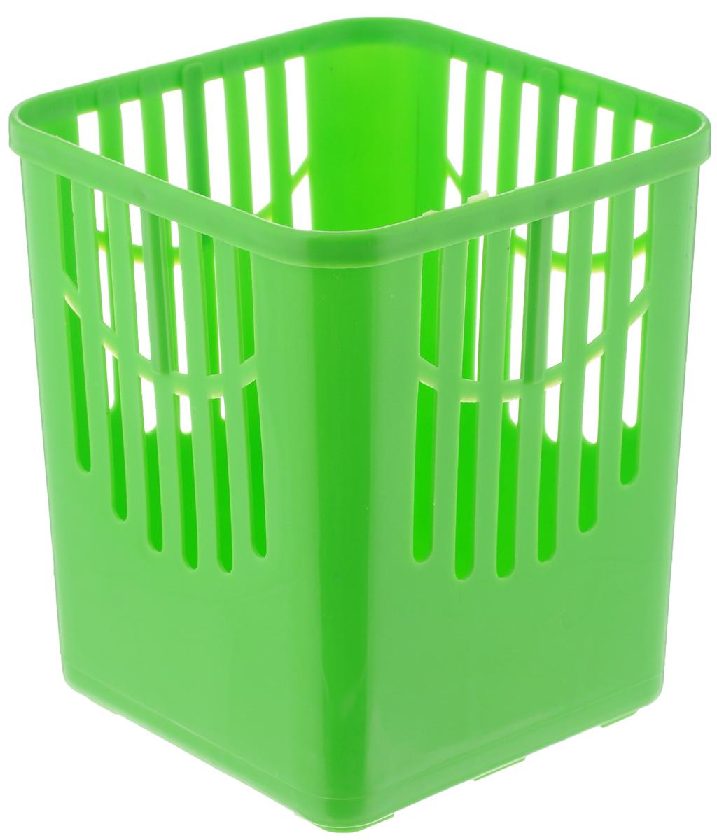Подставка для столовых приборов Axentia, цвет: салатовый, 10,5 х 10,5 х 12,5 см232039_салатовыйПодставка для столовых приборов Axentia, выполненная из высококачественного пластика, станет полезным приобретением для вашей кухни. Она хорошо впишется в интерьер, не займет много места, а столовые приборы будут всегда под рукой.Размер подставки: 10,5 х 10,5 х 12,5 см.