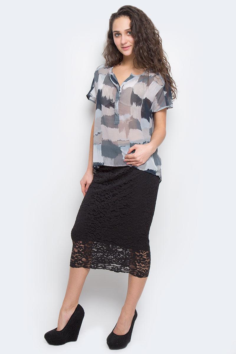 Блузка женская Broadway, цвет: темно-синий, серый, светло-коричневый. 60101965 86S. Размер XS (42)60101965 86SМодная и стильная блузка Broadway из струящегося полупрозрачного материала благодаря своей универсальности идеально впишется в любой гардероб. Модель свободного кроя без рукавов с V-образным вырезом горловины, застегивается на потайные пуговицы, скрытые под полочкой до середины длины изделия. Спинка удлиненная.Такая модель, несомненно, понравится ее обладательнице и послужит отличным дополнением к гардеробу.