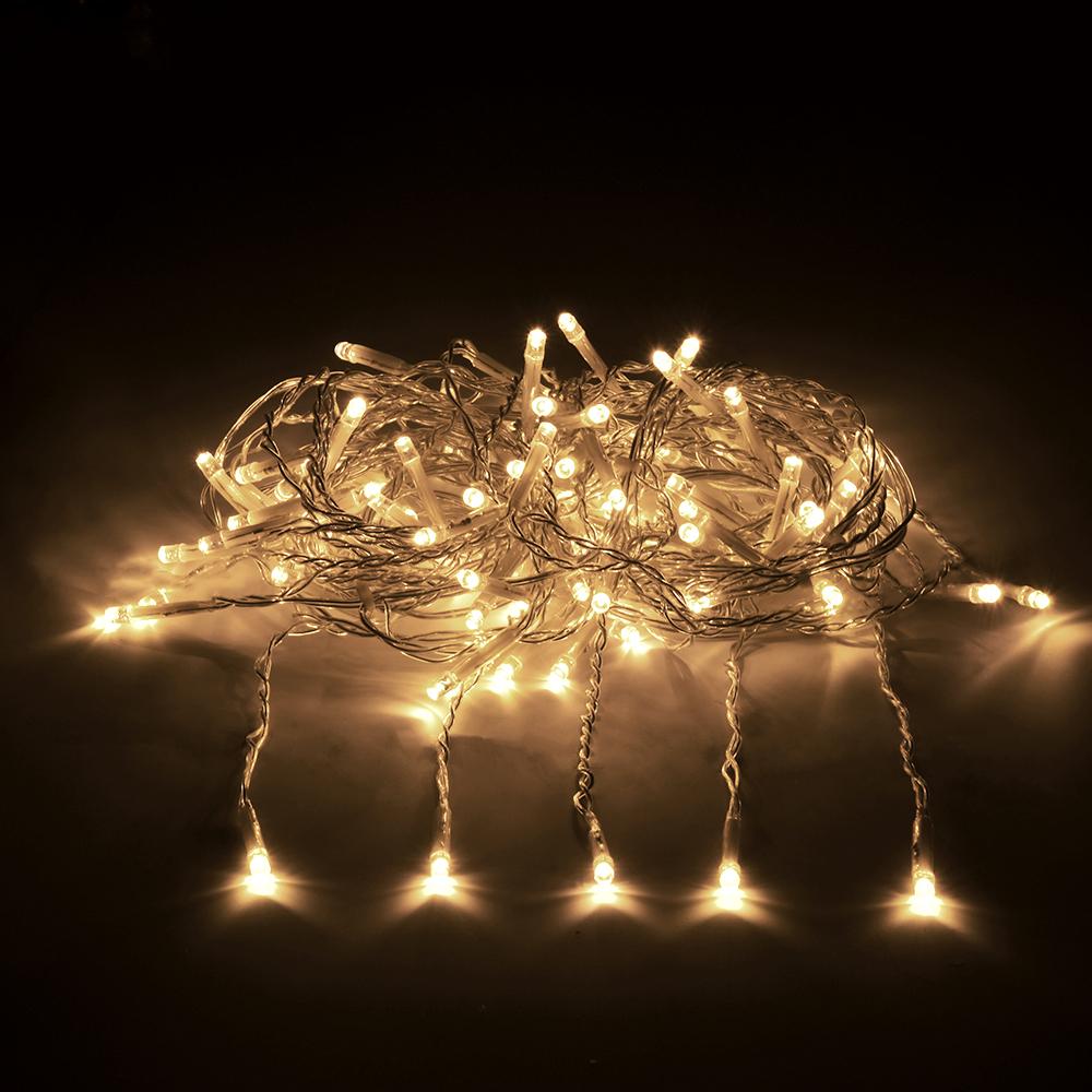 Гирлянда-конструктор электрическая Vegas Занавес, 96 ламп, длина 2 м, свет: теплый. 5501855018Гирлянда-конструктор электрическая Vegas Занавес - это светодиодная гирлянда для домашнего пользования. Имеет 96 теплых LED ламп, 6 нитей, прозрачный провод. Размер гирлянды: 1 х 2 м. Гирлянда Занавес - это декоративная система гирлянд, которая состоит из шлейфа-основания, к которому крепятся вертикальные нити светодиодов равной длины. Для рекламного освещения витрин, как фон на стенах, как световой занавес, украшения окон, декорирования объемных объектов. С помощью световых светодиодных дождей создается эффект сверкающей стены света. Основное назначение световых дождей - заливка светом большой, средней и малой площади фасадов, витрин, арок, окон; служат основой для световых металлических конструкций. Уважаемые клиенты! Обращаем ваше внимание - трансформатор не входит в комплект! Приобретается отдельно. Есть возможность последовательного соединения до 1500 LED.Без трансформатора Vegas гирлянду невозможно подключить к электричеству. Электрогирлянды и аксессуары марки Vegas не подключаются к электрогирляндам других производителей.