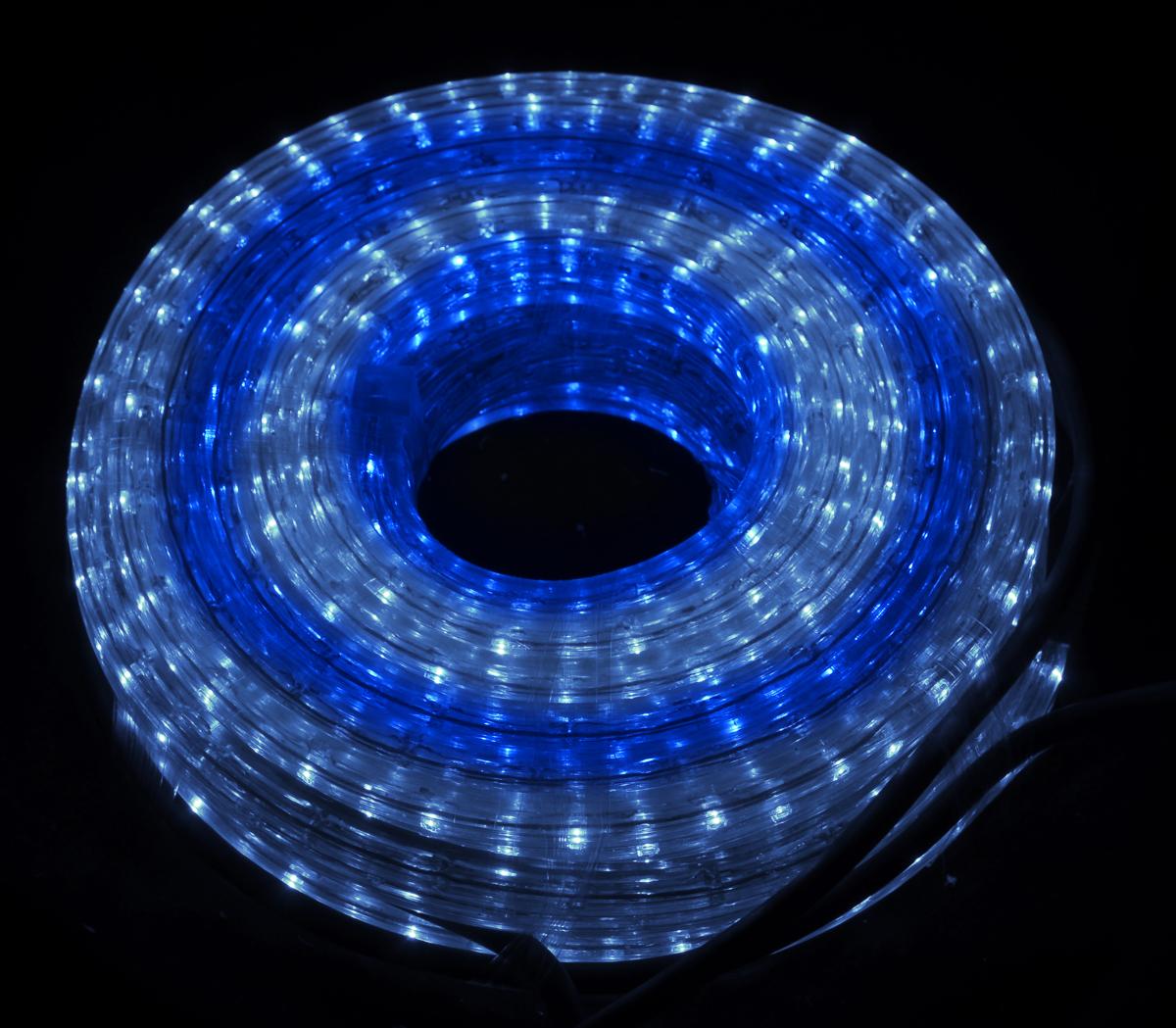 Гирлянда электрическая Winter Wings Дюралайт, с контроллером, 648 ламп, длина 9 м. N11151N11151Электрическая гирлянда Winter Wings Дюралайт предназначена для украшения интерьеров. Эта гирляндаоборудована специальным контроллером, обеспечивающим несколько режимов работы: постоянное свечение, мерцание, мигание, бегущие огни. Содержит незаменяемые лампы типа рис, повышенного срока службы, имеет яркое свечение и низкое энергопотребление. При неисправности одной лампы другие продолжают гореть.Во время работы поверхность гирлянды может нагреваться. Во избежание перегрева изделия следует подключать его к сети только предварительно вынув из упаковки. Новогодние украшения несут в себе волшебство и красоту праздника. Они помогут вам украсить дом к предстоящим праздникам и оживить интерьер по вашему вкусу. Создайте в доме атмосферу тепла, веселья и радости, украшая его всей семьей.Напряжение: 220 В.Мощность: 130 Вт.Длина: 9 м.Квадратное сечение.Используются лампы:Напряжение: 6,5 В.Мощность: 0,45 Вт.