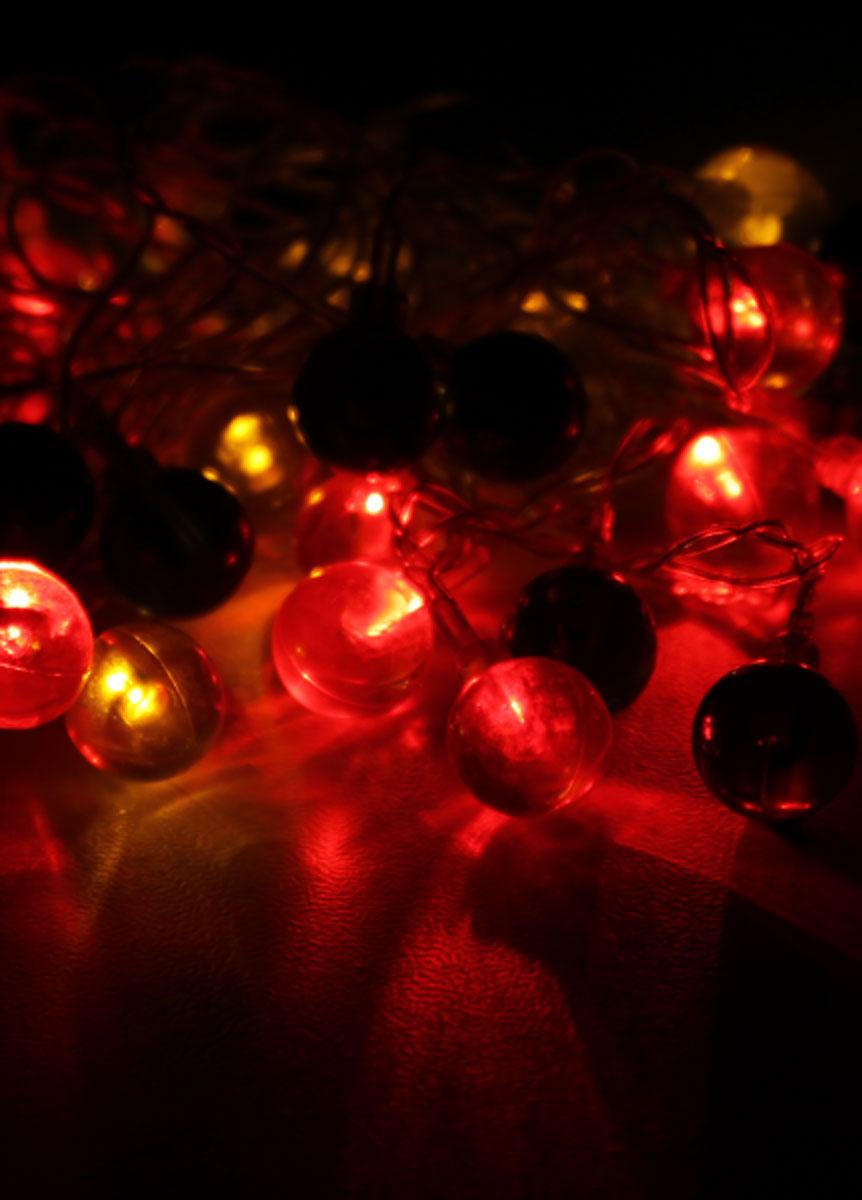Светодиодная гирлянда Космос, 30 светодиодов,цвет: мультиколор, 4,4 мKOC_GIR30LEDRUBBALL2Многоцветная светодиодная гирлянда Космос украсит интерьер вашего дома или офиса в преддверии Нового года. Оригинальный дизайн и красочное исполнение создадут праздничное настроение. Откройте для себя удивительный мир сказок и грез. Почувствуйте волшебные минуты ожидания праздника, создайте новогоднее настроение вашим дорогим и близким. Характеристики: Материал:пластик. Цвет: мультицвет. Количество светодиодов: 30 шт. Питание: от сети 230 В. Кол-во режимов: 8. Длина гирлянды: 4,4 м. Размер упаковки: 13 см х 7 см х 8 см. Артикул: KOC_GIR30LEDRUBBALL2.