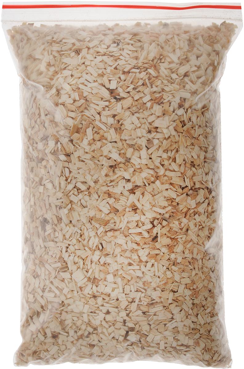"""Щепа для копчения Искра """"Осиновая"""" изготовлена из свежей сортовой древесины, прошедшей специальную обработку. Ее можно использовать не только для копчения продуктов в коптильнях, но и для придания вкуса и аромата блюдам из мяса, рыбы и птицы, приготовленным на гриле, мангале или на открытом огне. Рекомендуется перед употреблением замочить щепу на 20-30 минут в воде. Фракция 3-8 мм. Влажность 15-20%.  Вес: 0,2 кг."""