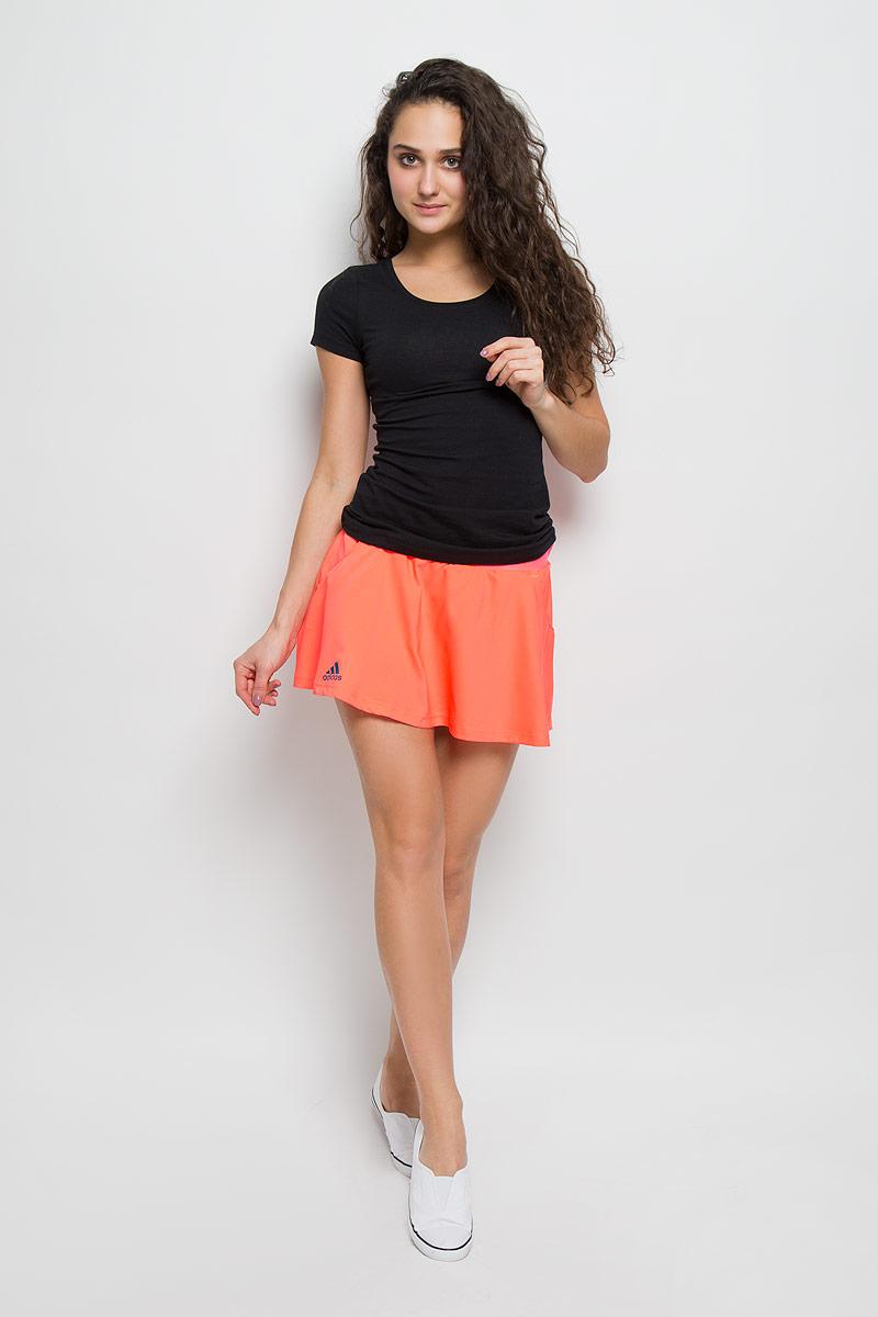 Юбка adidas Club Skort, цвет: коралловый. AX8138. Размер XS (40)AX8138Юбка adidas Club Skort. Комфорт юбки для тех, кто ведет бескомпромиссную игру.