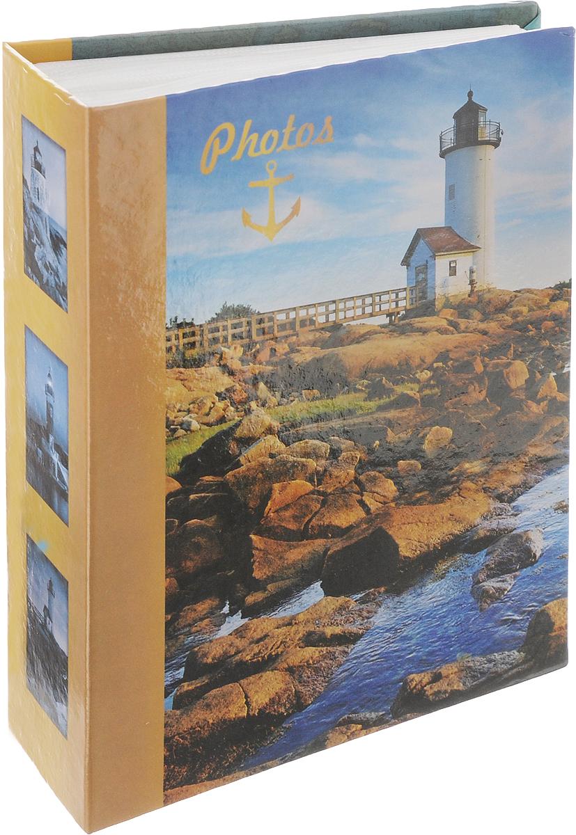 Фотоальбом Pioneer Lighthouse, 100 фотографий, 10 х 15 см. 41550315000-660Фотоальбом Pioneer Lighthouse поможет красиво оформить ваши самые интересные фотографии. Обложка, выполненная из толстого картона, декорирована красочным рисунком. Внутри содержится блок из 50 белых листов с фиксаторами-окошками из полипропилена. Альбом рассчитан на 100 фотографий формата 10 х 15 см (по 1 фотографии на странице). Переплет - книжный.Нам всегда так приятно вспоминать о самых счастливых моментах жизни, запечатленных на фотографиях. Поэтому фотоальбом является универсальным подарком к любому празднику.Количество листов: 50.