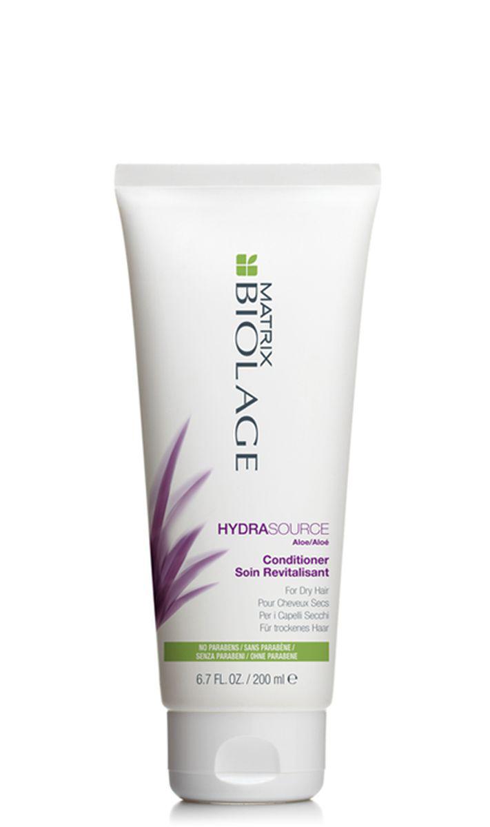 Matrix Biolage Hydrasource Кондиционер 200 мл51843912Когда волосы недостаточно увлажнены, они теряют прежнюю яркость, становятся более жесткими и путаются. Как растение алоэ, которое, казалось бы, никогда не высыхает, кондиционер Biolage HYDRASOURCE™ (ГидраСурс) помогает оптимизировать гидробаланс сухих волос, возвращая им здоровый, сияющий вид. Волосы в15раз* более увлажненные после первого использования. - Облегчает расчесывание и делает волосы более мягкими и послушными - Запечатывает влагу внутри волоса- Формула без парабенов. *При использовании системы из шампуня, кондиционера и несмываемого тоника Гидрасурс по сравнению с шампунем без кондиционирующих свойств. - Подходит для окрашенных волос