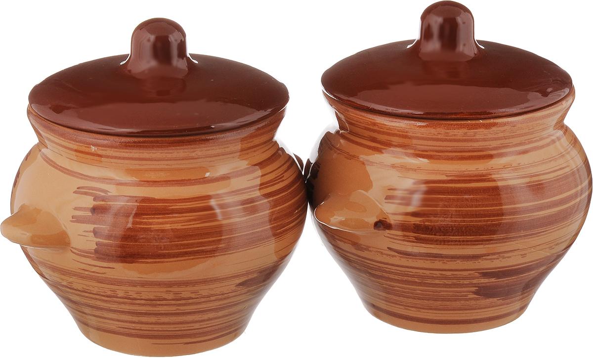 Набор горшочков для запекания Борисовская керамика Стандарт, с крышками, цвет: коричневый, 500 мл, 2 штОБЧ00000006_коричневыйНабор Борисовская керамика Стандарт состоит из 2 горшочков для запекания с крышками. Каждый предмет набора выполнен из высококачественной керамики. Уникальные свойства красной глины и толстые стенки изделия обеспечивают эффект русской печи при приготовлении блюд. Блюда, приготовленные в керамическом горшке, получаются нежными исочными. Вы сможете приготовить мясо, сделать томленые овощи и все это без капли масла. Этоодин из самых здоровых способов готовки. Можно использовать в духовке и микроволновой печи. Диаметр горшка (по верхнему краю): 9,5 см. Высота стенок: 10 см. Объем: 500 мл.