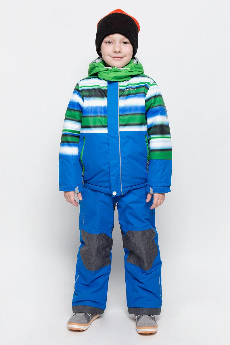 Комплект для мальчика Icepeak Jett Kd: куртка, полукомбинезон, цвет: синий, зеленый, серый. 652103510IV. Размер 104652103510IV_345Комплект для мальчика Icepeak Jett Kd, состоящий из куртки и полукомбинезона, выполнен из 100% полиэстера. Материал изготовлен при помощи технологии Icemax, которая обеспечит вашему ребенку надежную защиту от ветра и влаги. Все швы куртки и брюк проклеены, для обеспечения дополнительной защиты от непогоды. В качестве подкладки также используется полиэстер. Утеплителем служит материал FinnWad, который обладает высокими теплоизоляционными свойствами. Куртка с воротником-стойкой и съемным капюшоном застегивается на застежку-молнию с защитой для подбородка и ветрозащитной планкой на липучках и кнопках. Капюшон пристегивается к изделию за счет кнопок. Низ изделия дополнен эластичными вставками, а низ рукавов - хлястиками на липучках. Спереди расположены два прорезных кармана на застежках-молниях. Куртка оформлена оригинальным принтом. Полукомбинезон застегивается на пуговицу и имеет ширинку на застежке-молнии. Модель оснащена эластичными наплечными лямками, регулируемыми по длине. Пояс, имеющий по бокам эластичные вставки, оснащен шлевками для ремня. Комплект оснащен специальными деталями Childrens Safety для дополнительной безопасности ребенка во время занятий спортом и активного отдыха на улице.