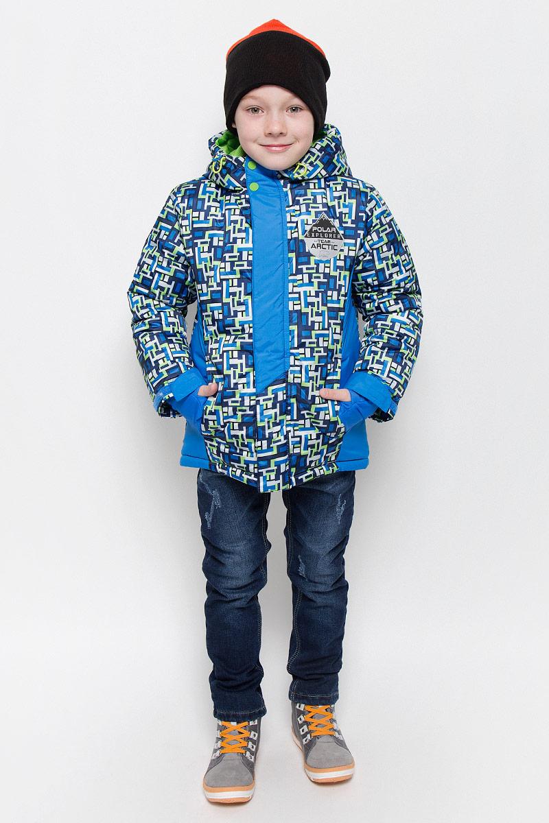 Куртка для мальчика Boom!, цвет: голубой, салатовый, темно-синий. 64367_BOB_вар.2. Размер 116, 5-6 лет64367_BOB_вар.2Модная куртка Boom! согреет вашего мальчика в холодное время года. Куртка изготовлена из 100% полиэстера с мягкой флисовой подкладкой. В качестве наполнителя используется инновационный утеплитель Flexy Fiber, который надежно сохраняет тепло, обеспечивает циркуляцию воздуха и не задерживает влагу. Куртка с несъемным капюшоном застегивается на застежку-молнию и дополнительно на ветрозащитный клапан с кнопками и липучками. Капюшон оснащен эластичным шнурком со стопперами. Изделие дополнено спереди двумя прорезными карманами. Манжеты рукавов оснащены фиксирующими хлястиками на липучках, с внутренней стороны - эластичными напульсниками с отверстиями для пальцев, которые защитят от проникновения ветра и снега. Нижняя часть изделия с внутренней стороны дополнена эластичным шнурком со стопперами.