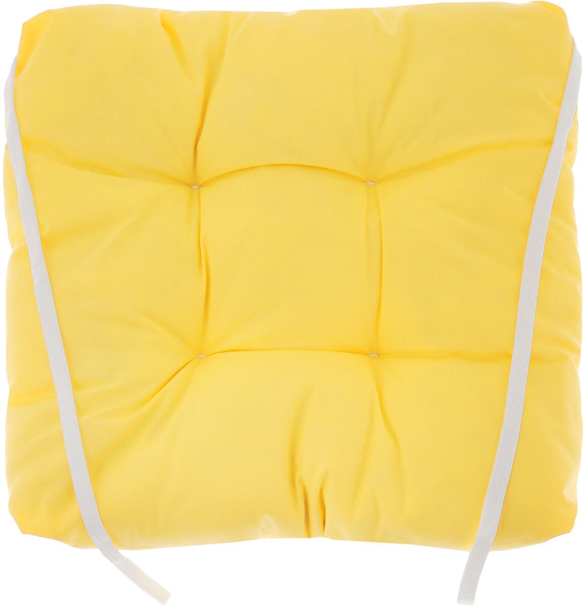 Подушка на стул Eva, объемная, цвет: темно-желтый, 40 х 40 смЕ064_темно-желтыйПодушка Eva, изготовленная из хлопка, прослужит вам не один десяток лет. Внутри - мягкий наполнитель из полиэстера. Стежка надежно удерживает наполнитель внутри и не позволяет ему скатываться. Подушка легко крепится на стул с помощью завязок. Правильно сидеть - значит сохранить здоровье на долгие годы. Жесткие сидения подвергают наше здоровье опасности. Подушка с наполнителем из полиэстера поможет предотвратить многие беды, которыми грозит сидячий образ жизни.