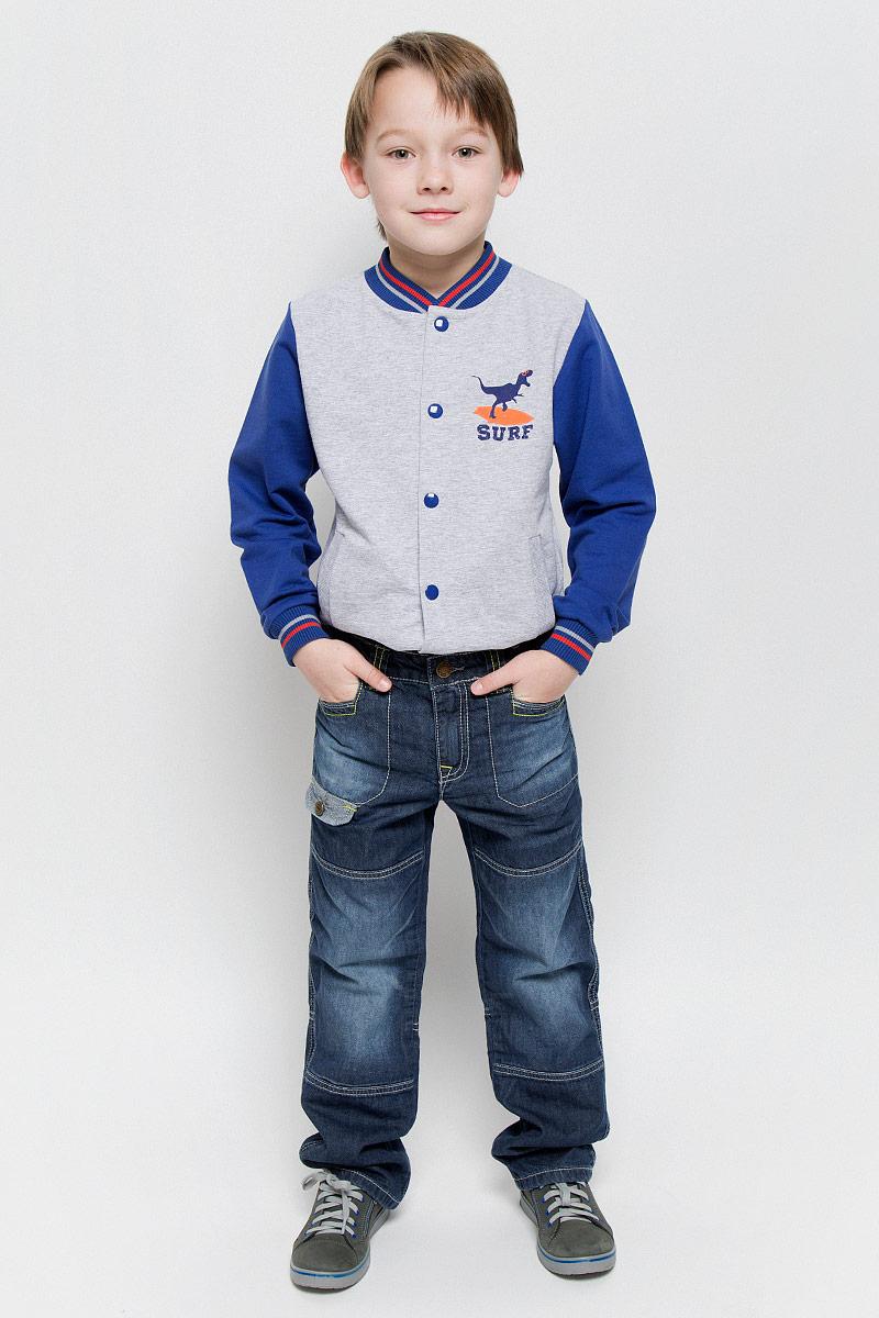Джинсы для мальчика PlayToday, цвет: синий деним. 361015. Размер 98, 3 года361015Стильные джинсы для мальчика PlayToday изготовлены из хлопка. Модель дополнена мягкой трикотажной подкладкой. Прямые джинсы застегиваются на пуговицу и имеют ширинку на застежке-молнии. На изделии предусмотрены шлевки для ремня. Регулировка в поясе на эластичной тесьме с пуговицами обеспечит идеальную посадку по фигуре. Спереди расположены два втачных кармана, сзади - два прорезных с клапанами на пуговицах. Джинсы оформлены модными потертостями и контрастной прострочкой.