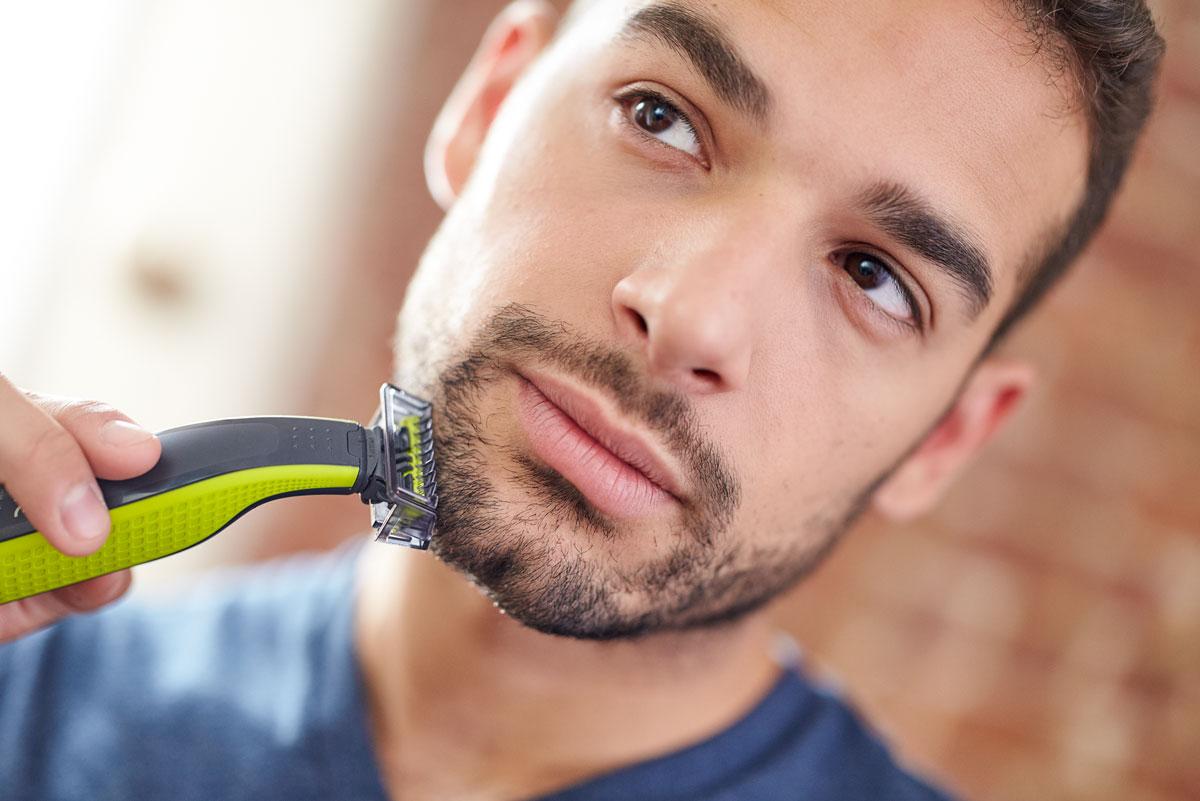 Триммер для бороды и усов Philips OneBlade QP2520/20 с 3 насадками-гребнями Philips