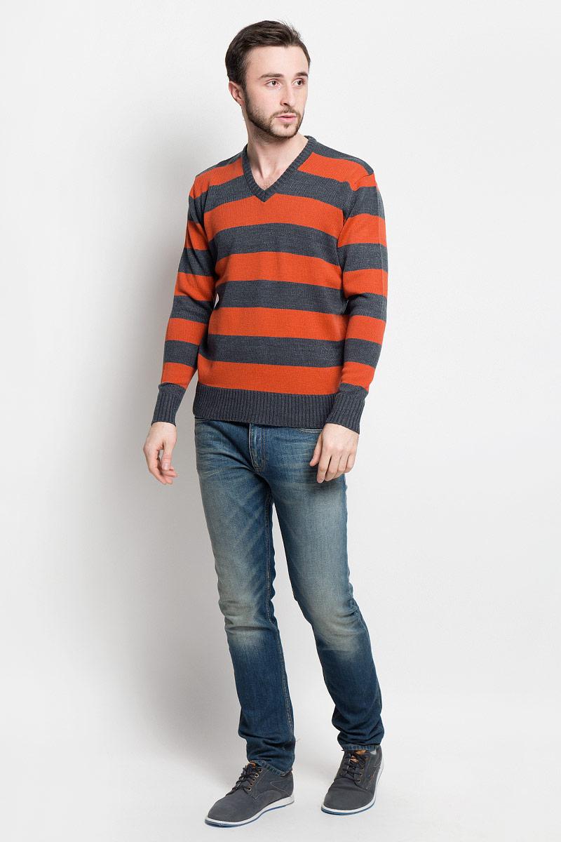Джемпер мужской D&H Basic, цвет: темно-серый, оранжевый. А6000912. Размер L (52)А6000912Мужской джемпер D&H Basic с V-образным вырезом горловины и длинными рукавами изготовлен из высококачественной акриловой пряжи.Горловина, низ и манжеты джемпера связаны резинкой. Модель оформлена узором в виде контрастных полосок.
