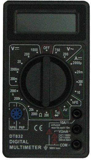 Мультиметр Ресанта DT 83261/10/512Мультиметр Ресанта DT 832 широко используется как в домашнем хозяйстве и мастерских, так и в лабораториях. Он предназначен для измерений постоянного/переменного напряжения и тока, сопротивления, проверки диодов, транзисторов и звуковой прозвонки. Диапазон температур, при которых модель выдаст результаты с гарантированной точностью, составляет 18-28° С. Модель питается от батарейки 9В, типа Крона (установлена).