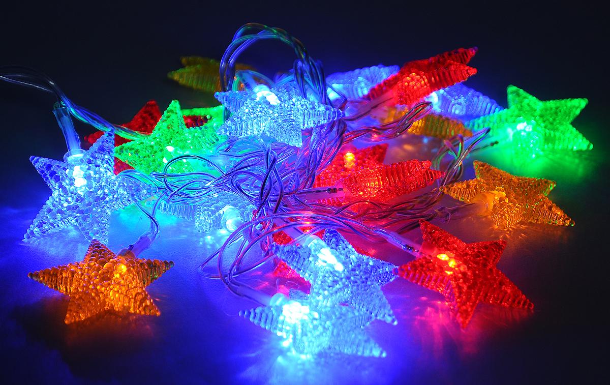 Гирлянда электрическая B&H Звезды, 20 разноцветных светодиодов, 2 мBH0402_звездыЭлектрогирлянда B&H Звезды предназначена для внутреннего декоративного освещения. Изделие представляет собой гибкий провод, на котором расположены разноцветные светодиоды с насадками в форме звезд. Гирлянда яркая и долговечная, имеет маленькое энергопотребление (в 10 раз меньше, чем у гирлянд с микролампами и минилампами). Гирлянда имеет 8 режимов мигания. Перегорание одной лампочки не приводит к неработоспособности гирлянды.Создайте в своем доме атмосферу веселья и радости, украшая новогоднюю елку яркими светодиодными гирляндами.Расстояние между светодиодами: 10 см. Размер лампы: 4,5 х 8 х 4,5 см.Длина шнура: 0,75 м.Длина гирлянды (без учета шнура питания): 2 м.