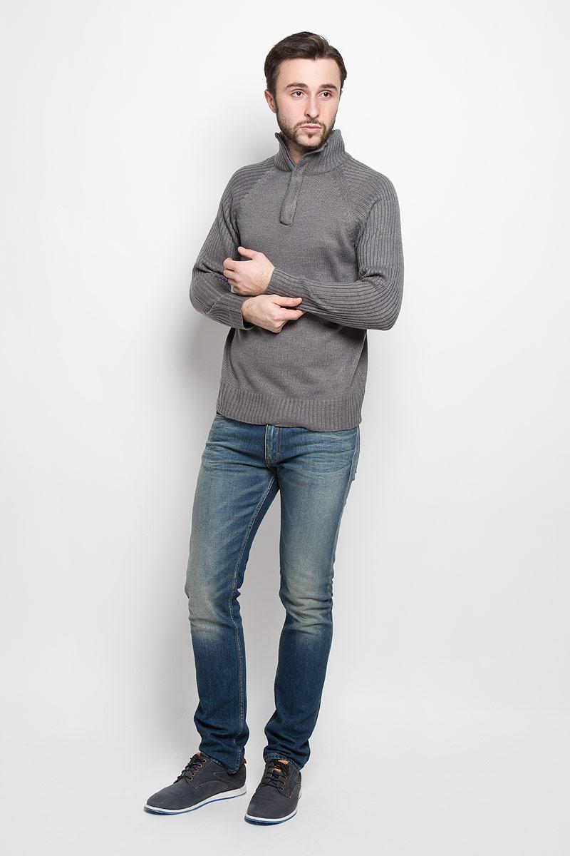 Свитер мужской Epic Hero, цвет: темно-серый. А55017. Размер XL (54)А55017Стильный мужской свитер Epic Hero с воротником-стойкой и длинными рукавами изготовлен из высококачественной акриловой пряжи.Горловина, низ и рукава свитера связаны резинкой. Воротник у модели застёгивается на молнию.
