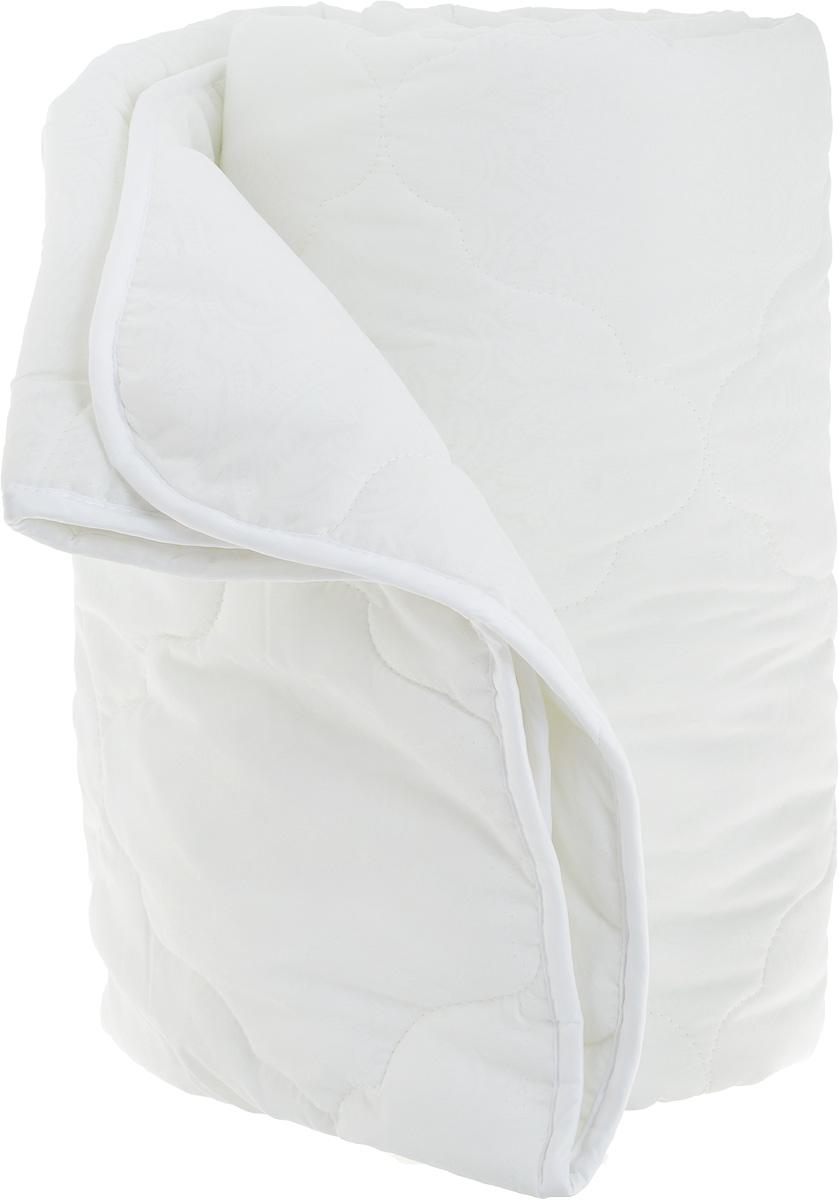 Одеяло теплое ЭГО, наполнитель: экофайбер, цвет: белый, 142 x 205 смЭО-1002-01Теплое одеяло ЭГО подарит уютный и комфортный сон. Чехол одеяла выполнен из полиэстера с красивым узором. Внутри - тонкий слой наполнителя экофайбер. Экофайбер - это полое силиконизированное волокно, аналог холлофайбера. Главными преимуществами такого наполнителя являются его экологическая чистота и высокая теплозащита, более того он гипоаллергенен, не впитывает пыль и запахи. Одеяло с наполнителем экофайбер придется по душе людям, ценящим красоту и комфорт. Оригинальная стежка равномерно распределяет наполнитель в чехле. Такое одеяло дарит комфортный сон и согреет зимой. Простое в уходе одеяло легко стирается в бытовой стиральной машине и быстро высыхает. Ваше одеяло прослужит долго, а его изысканный внешний вид будет годами дарить вам уют.