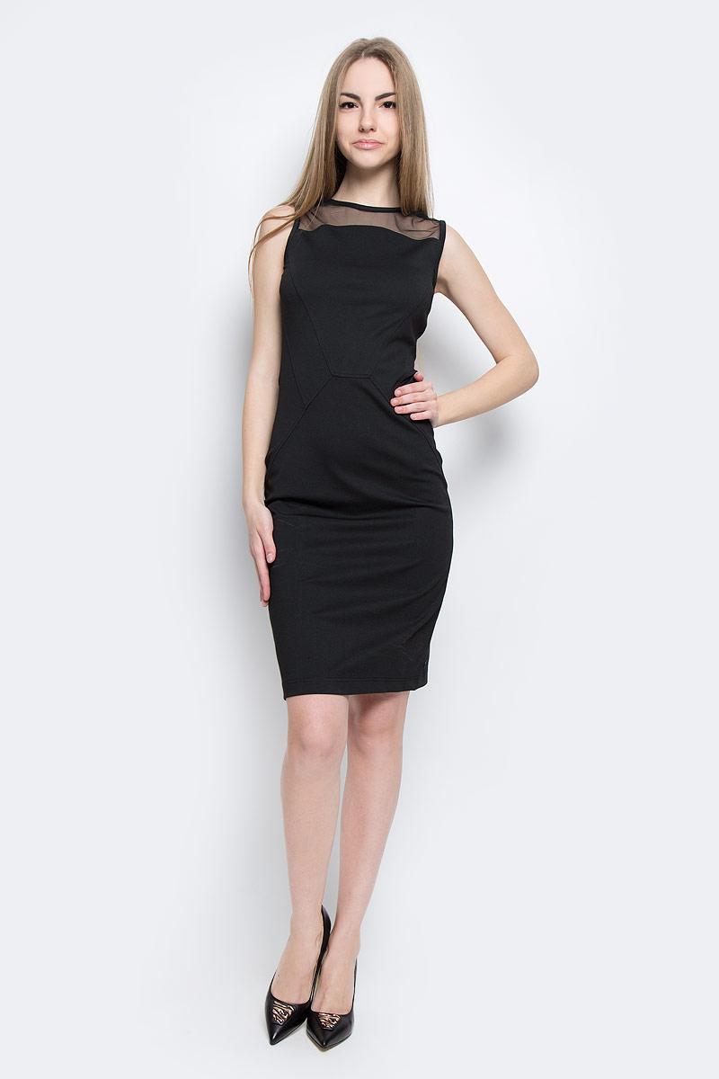 Платье Calvin Klein Jeans, цвет: черный. J20J201360_0990. Размер S (42)J20J201360_0990Стильное платье Calvin Klein Jeans изготовлено из полиэстера с добавлением вискозы и эластана. Верх модели оформлен вставкой из сетчатого материала.Модель-миди с круглым вырезом горловины и без рукавов застегивается на металлическую застежку-молнию, расположенную на спинке.