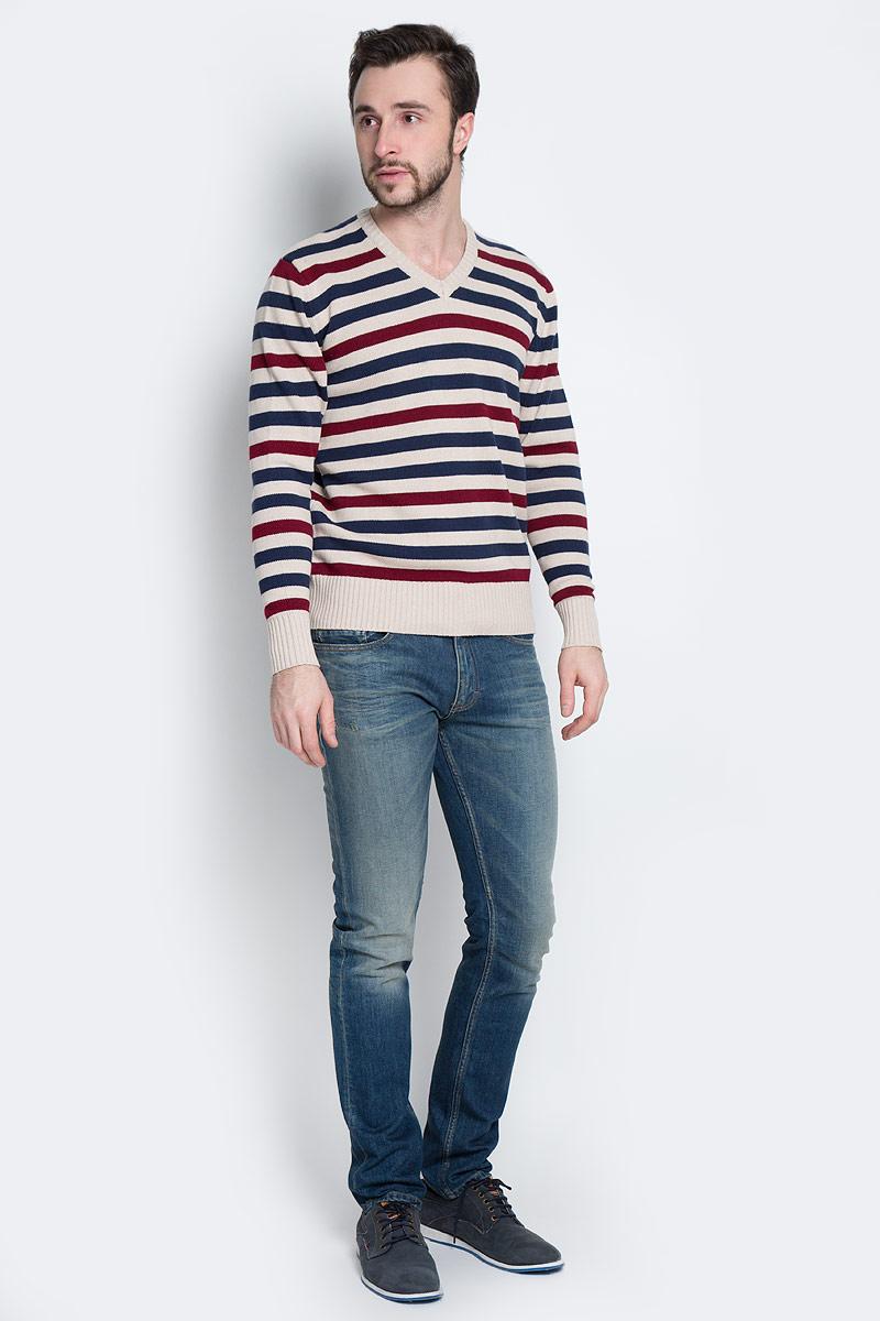 Пуловер мужской D&H, цвет: бежевый, темно-синий, бордовый. А601160906. Размер S (48)А601160906Мужской пуловер Aussie изготовлен из натуральной хлопковой пряжи. Модель с V-образным вырезом горловины и длинными рукавами оформлена полосками. Манжеты и низ изделия связаны резинкой.
