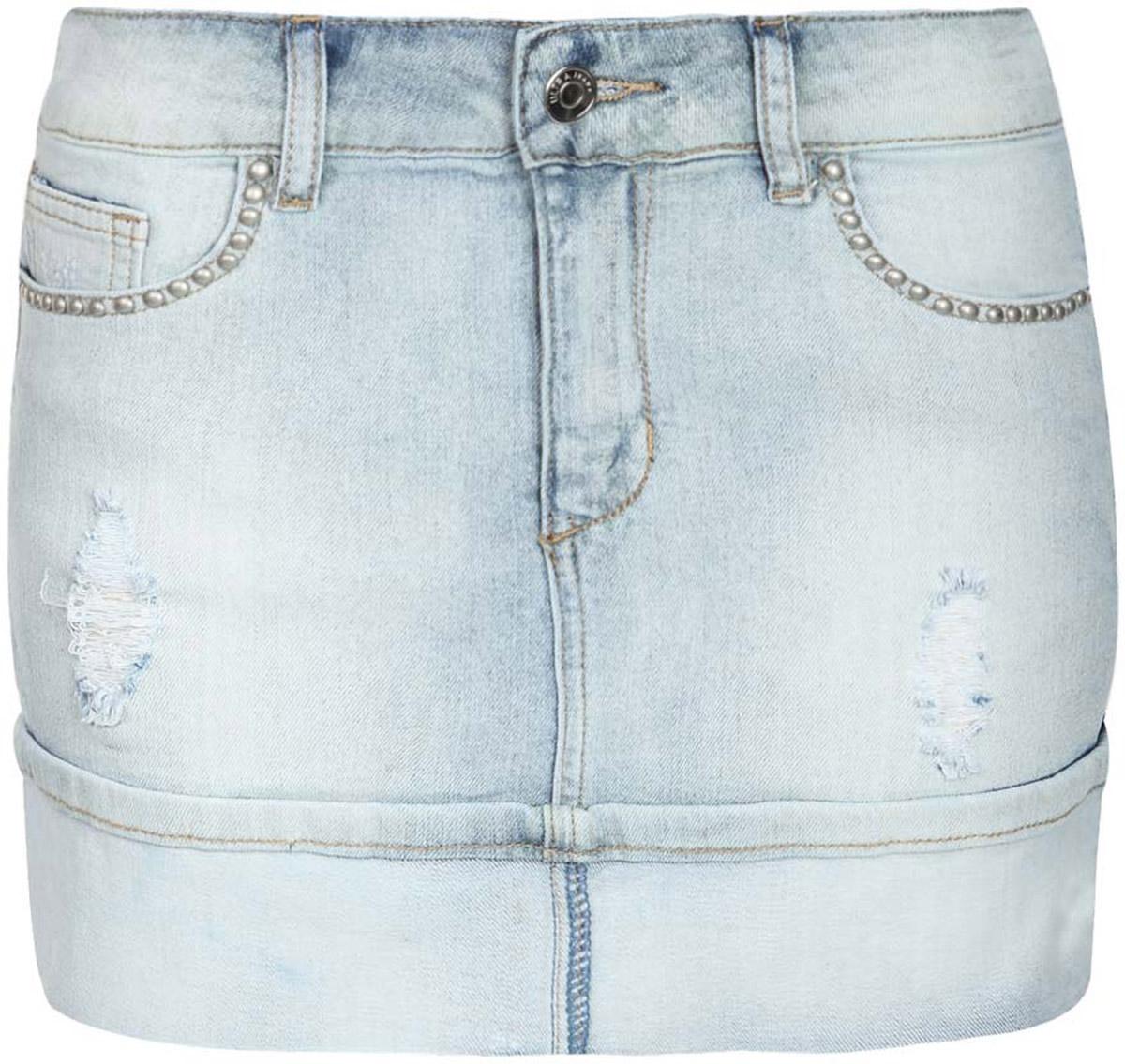 Юбка oodji Denim, цвет: голубой джинс. 11510004/45369/7000W. Размер 38-170 (44-170)11510004/45369/7000WМодная джинсовая мини-юбка oodji Denim выполнена из хлопка с добавлением эластана. Юбка застегивается на пуговицу в поясе и ширинку на застежке-молнии, имеются шлевки для ремня. Спереди расположены два втачных кармана и один небольшой накладной кармашек, а сзади - два накладных кармана. Юбка декорирована эффектом потертости, правый карман с лицевой стороны дополнен декоративными клепками.