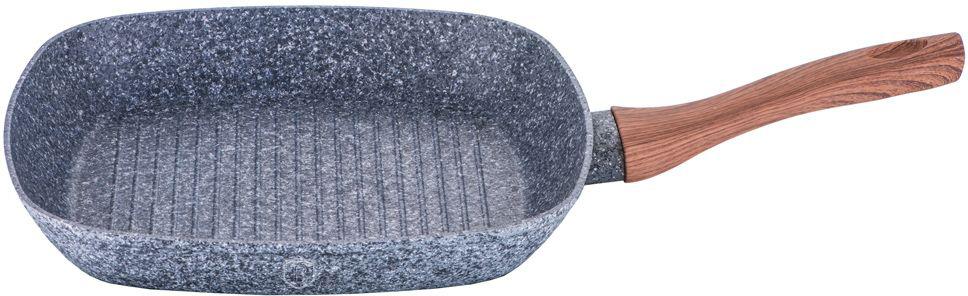 """Сковорода-гриль Berlinger Haus """"Forest Line"""" изготовлена из кованого алюминия с высококачественным мраморно-гранитным антипригарным покрытием в 3 слоя. Такое покрытие предотвращает пригорание пищи и ее прилипание к стенкам. Оно абсолютно безопасно для здоровья и не выделяет вредных веществ во время готовки. Специальное индукционное дно """"TURBO INDUCTION"""" экономит 35% энергии. Тепло распределяется равномерно по всей поверхности посуды, что позволяет пище готовиться быстрее. Сковорода оснащена эргономичной ручкой с покрытием """"soft-touch"""", декорированной """"под дерево"""". Такая ручка не нагревается в процессе приготовления пищи и не дает вашим рукам обжечься. Рифленая поверхность сковороды имитирует решетку гриля и образует аппетитную корочку, при этом жир стекает в желобки, не давая продуктам контактировать с ним, что обеспечивает приготовление здоровой пищи. Носики по бокам сковороды позволяют удобно выливать остатки жидкости после приготовления.  В комплекте поставляется подставка под горячее, которая сбережет поверхность вашей сковороды от воздействия высоких температур. Посуда подходит для газовых, электрических, стеклокерамических, галогенных, индукционных плит. Можно мыть в посудомоечной машине. Высота стенки: 4,5 см."""