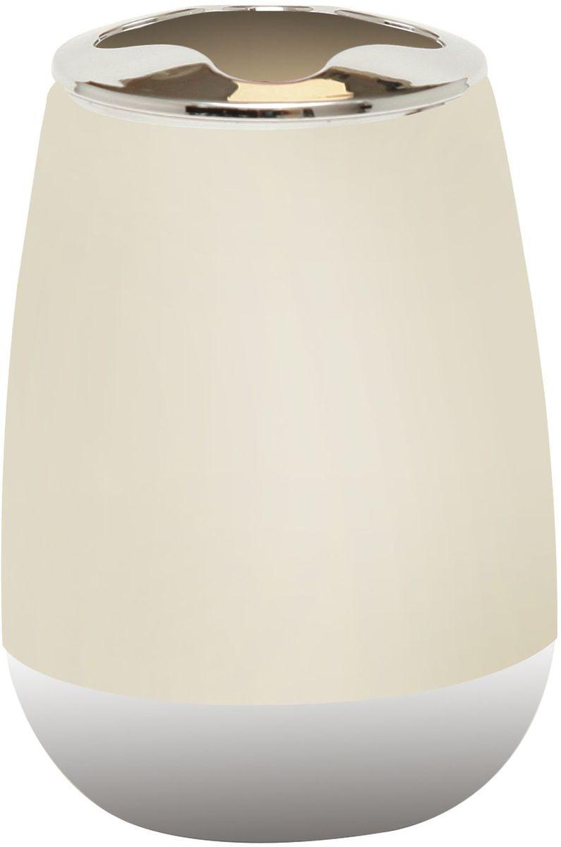 Стакан для зубных щеток Proffi Home, цвет: светло-бежевый, хром, 200 млPH6527Стакан Proffi Home - это практичный аксессуар, помогающий навести порядок и организовать хранение разных принадлежностей в ванной комнате. В нем удобно хранить зубные щетки, тюбики с зубной пастой и другие мелочи. Стакан выполнен из пластика с каучуковым покрытием, которое обеспечивает антискользящий эффект. Благодаря лаконичной форме и хромированным деталям такой аксессуар отлично впишется в любой интерьер ванной комнаты.