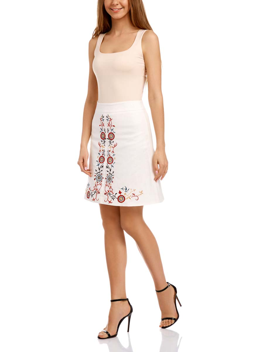 Юбка oodji Ultra, цвет: белый, красный. 11600425M/16009/1245P. Размер 38-170 (44-170)11600425M/16009/1245PЛьняная юбка трапециевидного кроя оформлена очаровательной вышивкой. Сзади модель застегивается на потайную застежку-молнию.