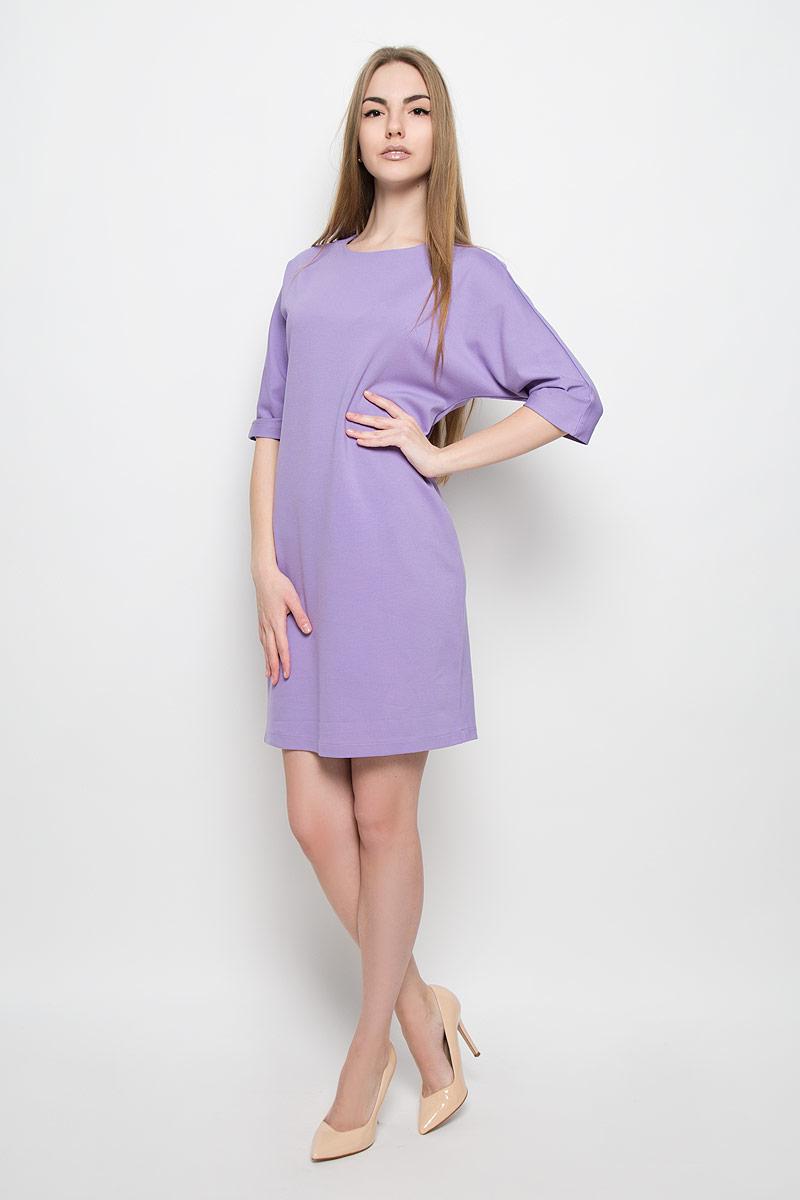 Платье Ruxara, цвет: сиреневый. 103416. Размер 52103416Платье Ruxara выполнено из эластичной вискозной ткани. Модель прямого силуэта с цельнокроеным рукавом 3/4, оформленным складками по нижнему шву. Сзади застежка на пуговицу.