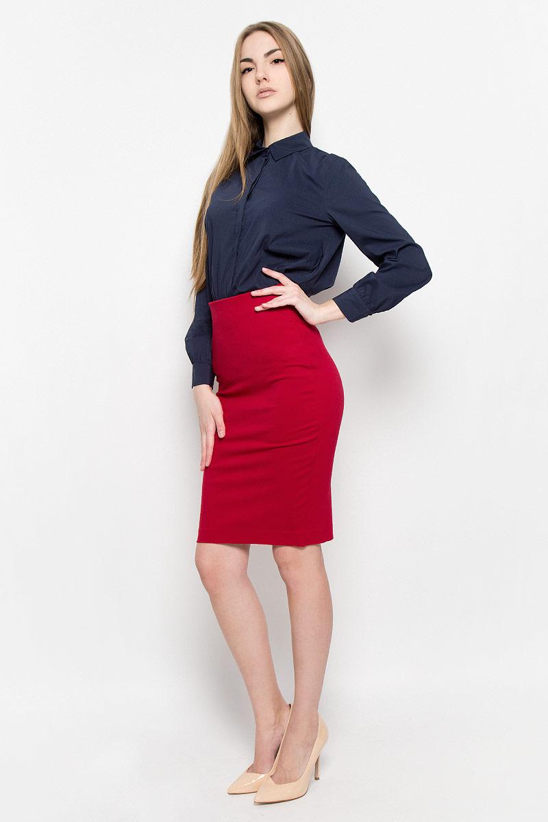 Юбка Ruxara, цвет: красный. 2400109. Размер 422400109Классическая юбка-карандаш Ruxara выполнена из плотного джерси. Модель дополнена широкой резинкой по талии. В среднем шве спинки по низу имеется разрез с застежкой на потайную молнию. Элегантная и стильная юбка - идеальное решение на каждый день.