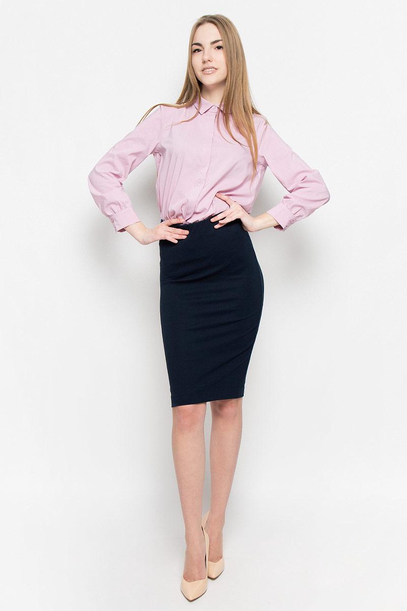 Юбка Ruxara, цвет: темно-синий. 2400110. Размер 422400110Классическая юбка-карандаш изготовлена из эластичной вискозной ткани. Модель на широкой резинке по талии. Шлица дополнена застежкой на потайную молнию.